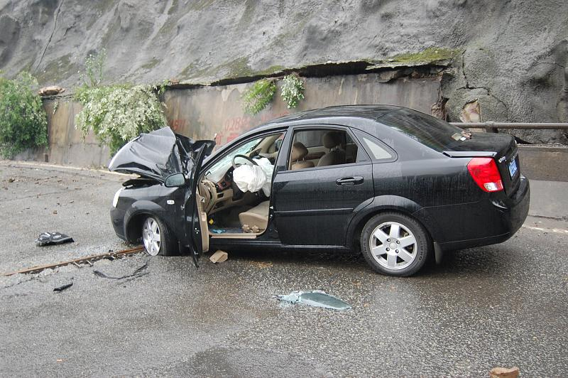 Smashed Car in Dujiangyan - 2008 Sichuan earthquake (1)