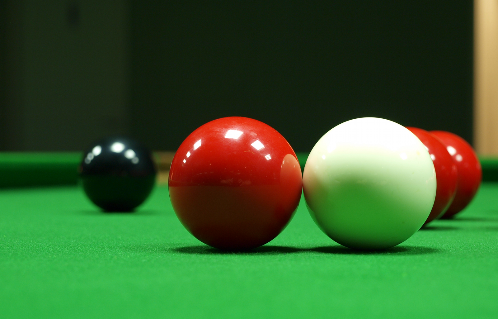 File Snooker Touching Ball Red Png Wikimedia Commons