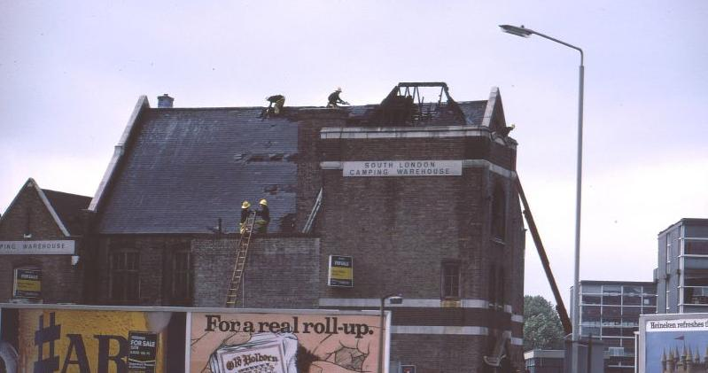 South London warehouse fire 1980.jpg