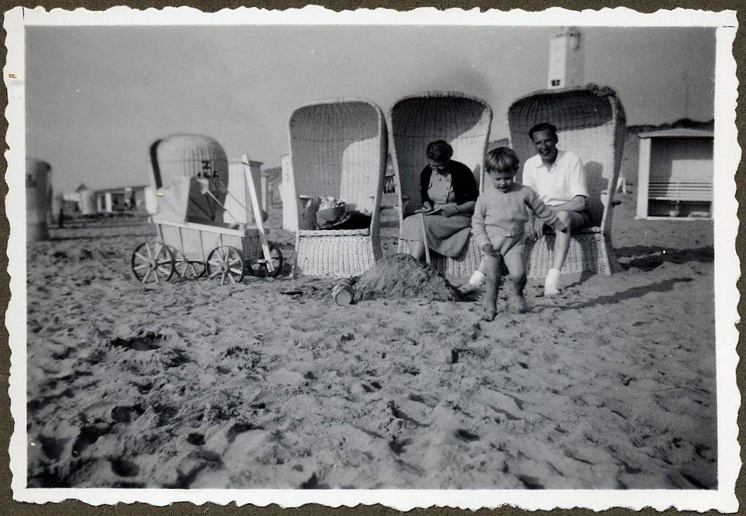Ouderwetse Rieten Strandstoel.Strandstoel Wikipedia