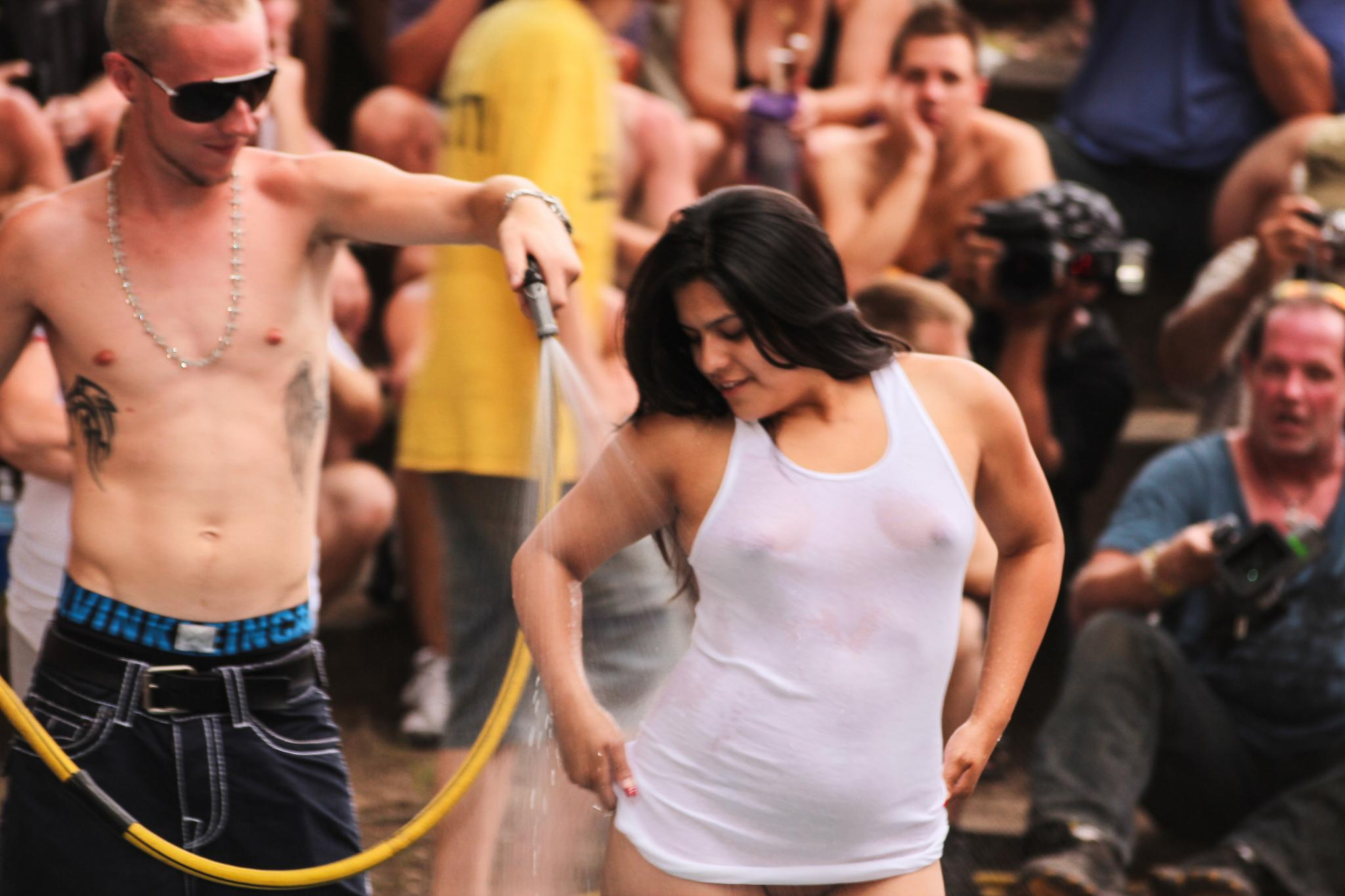 File:Sun Club Wet T-Shirt Contest 2012.jpg - Wikimedia Commons Wet