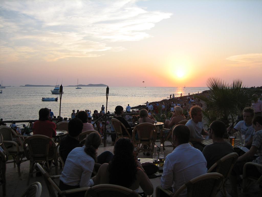 Cafe Del Mar  Couchet De Soleil