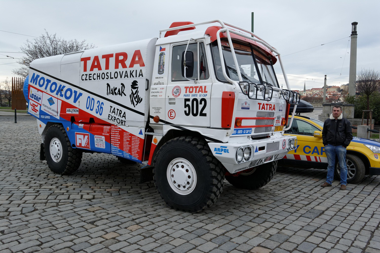 Tracteur routier Paris Dakar d'inspiration libre  sur bi cylindres Toyan - Page 2 Tatra_815_4x4_Dakar_1992_%2804%29