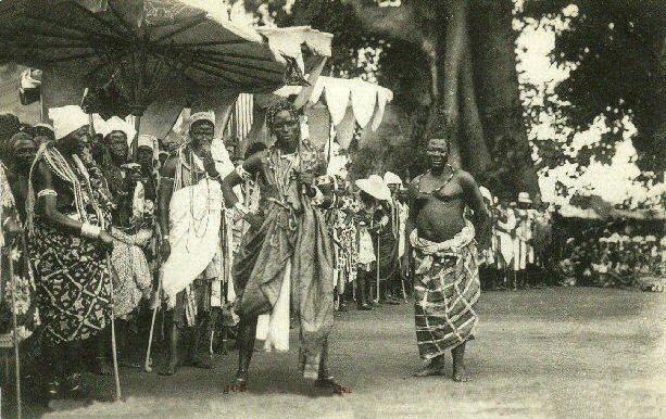 File:The célébration at Abomey[1908). - Dance of the Fon chiefs.jpg