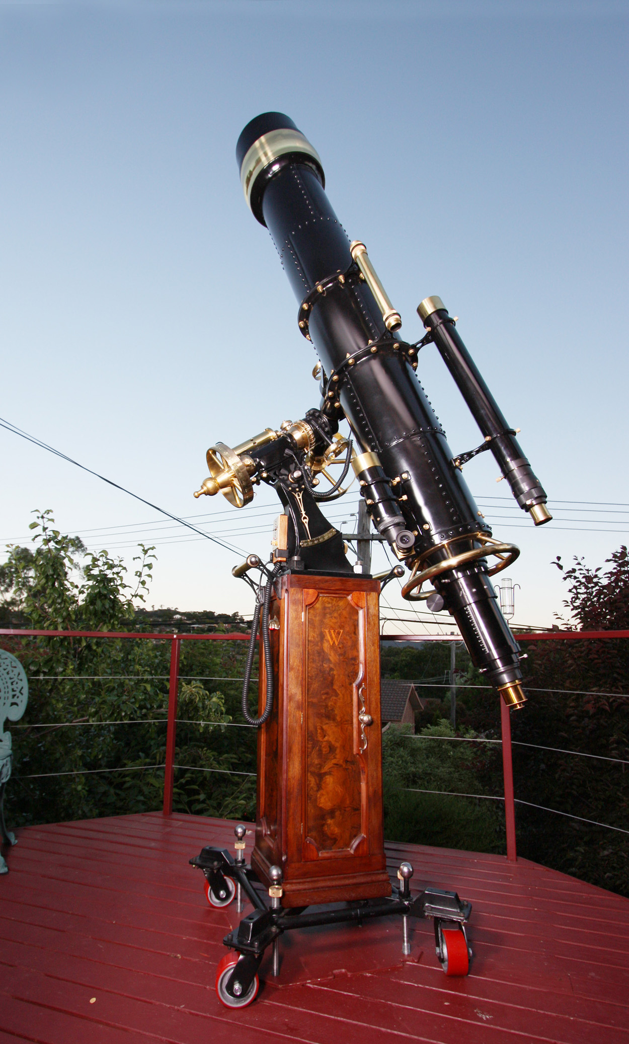 Et maintenant, la 6G ? The_great_wetherell_refractor_steampunk_telescope_for_wiki