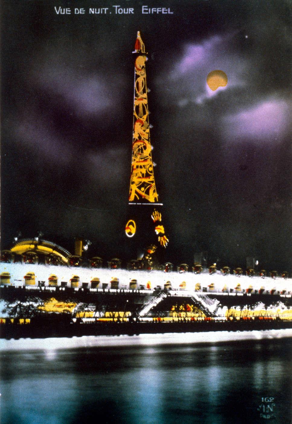 Les débuts de la publicité lumineuse : la Tour Eiffel aux couleurs de Citroën