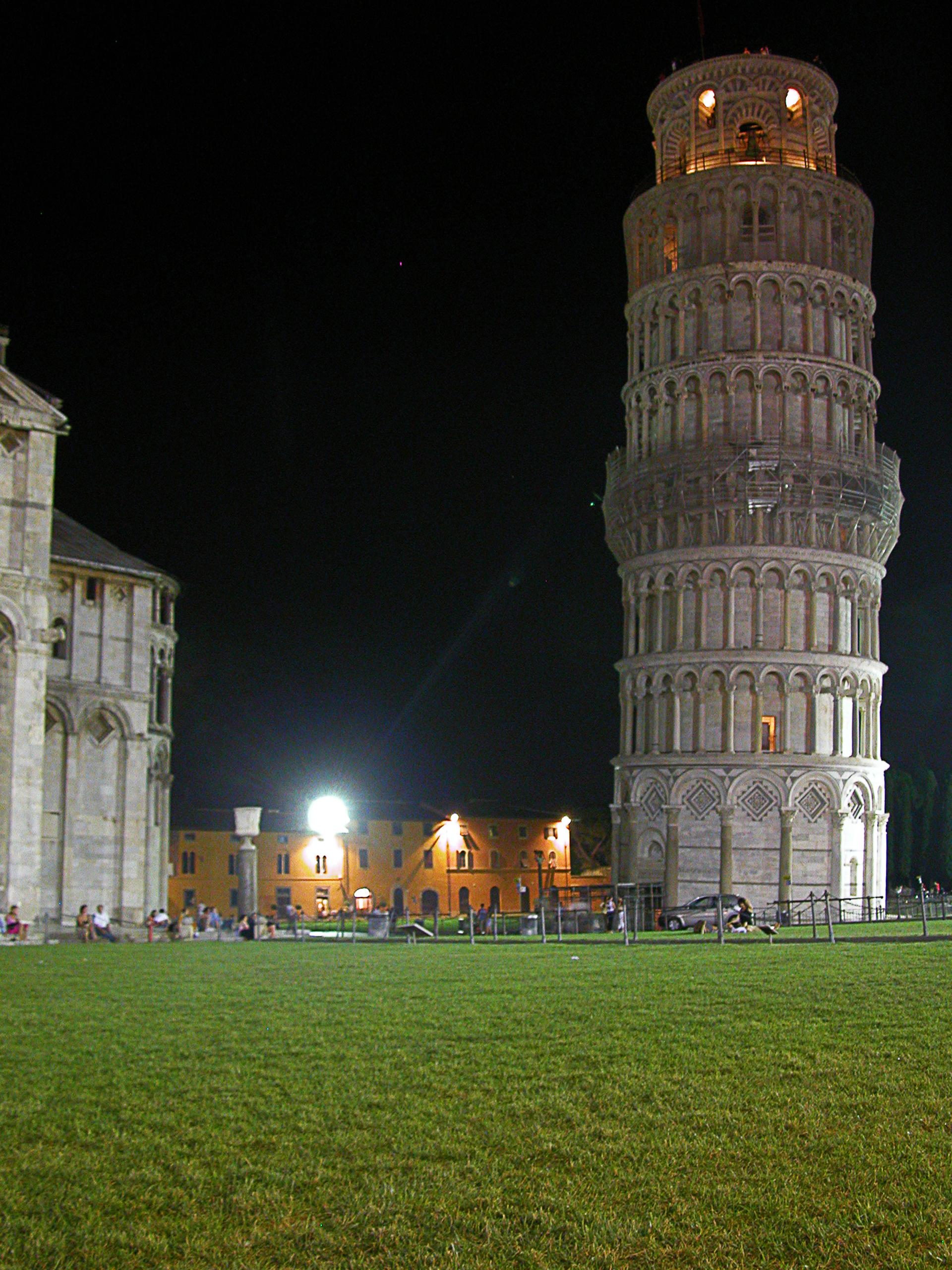 File tour pise vue de wikimedia commons - Tour de pise interieur ...