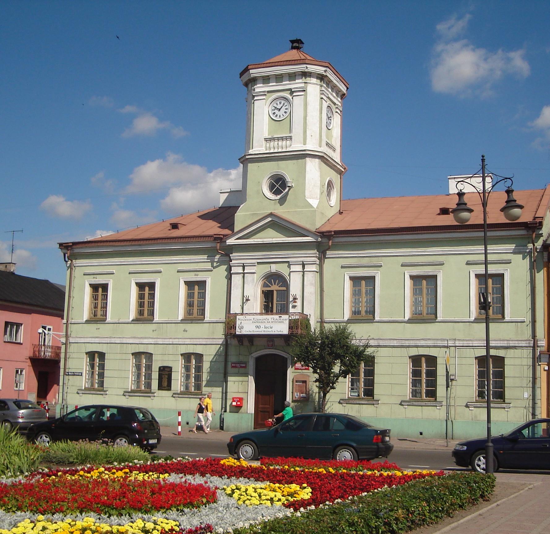 File:Turek ratusz.jpg - Wikimedia Commons