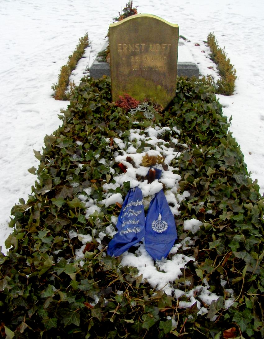 Grab von Ernst Udet