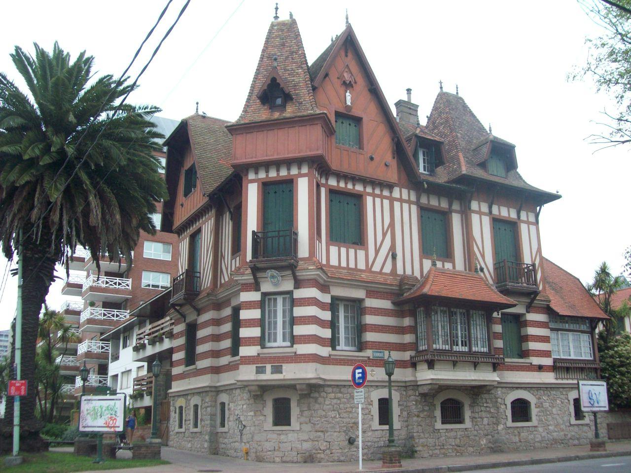 File villa normandy mar del plata argentina jpg for Villas en argentina