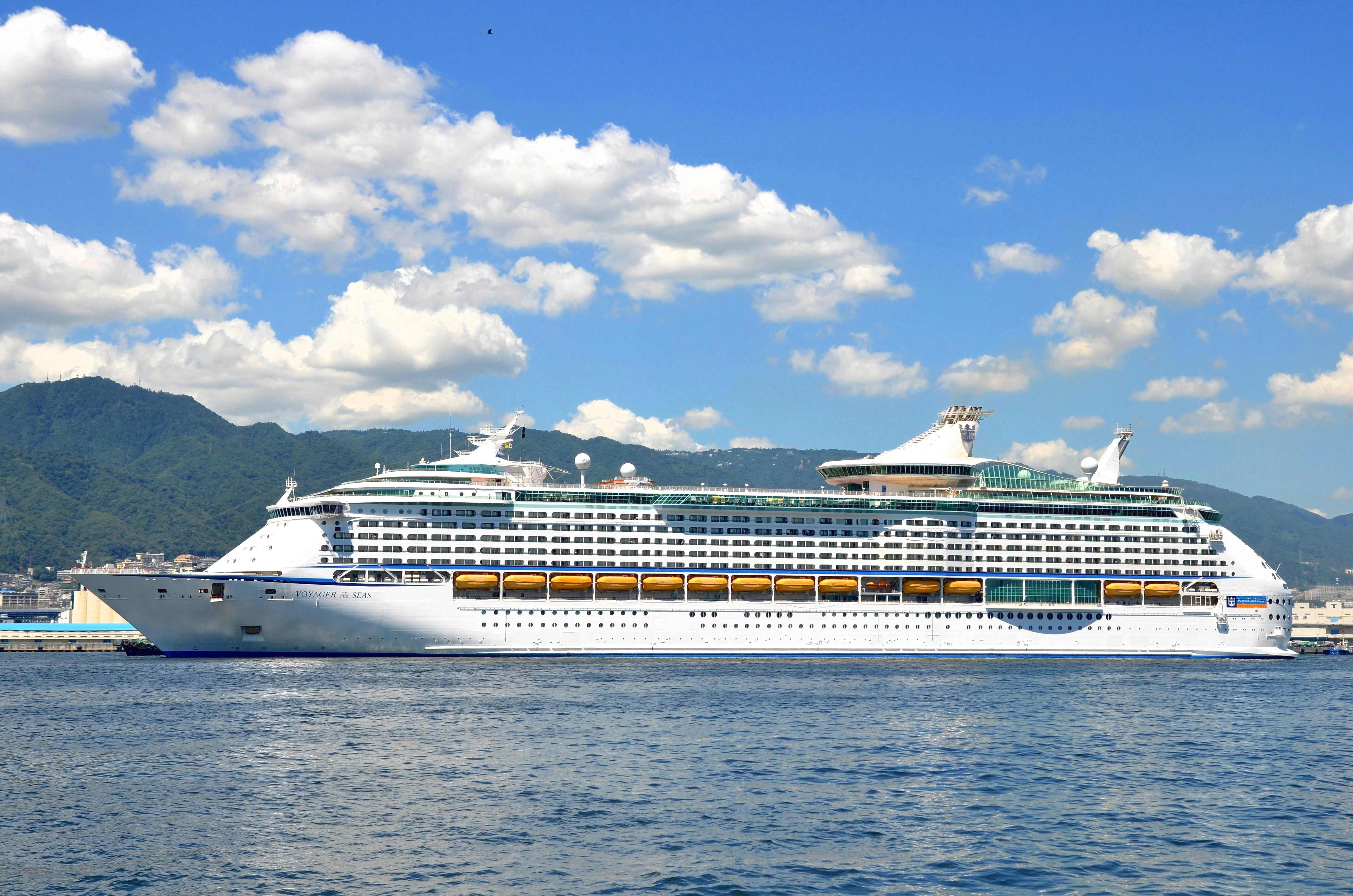 Cruise ship - Wikipedia
