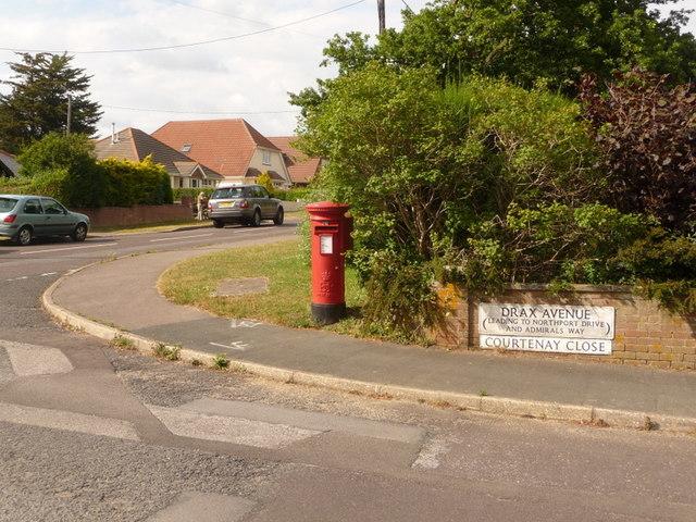 File:Wareham, postbox No. BH20 166, Drax Avenue - geograph.org.uk - 1365110.jpg