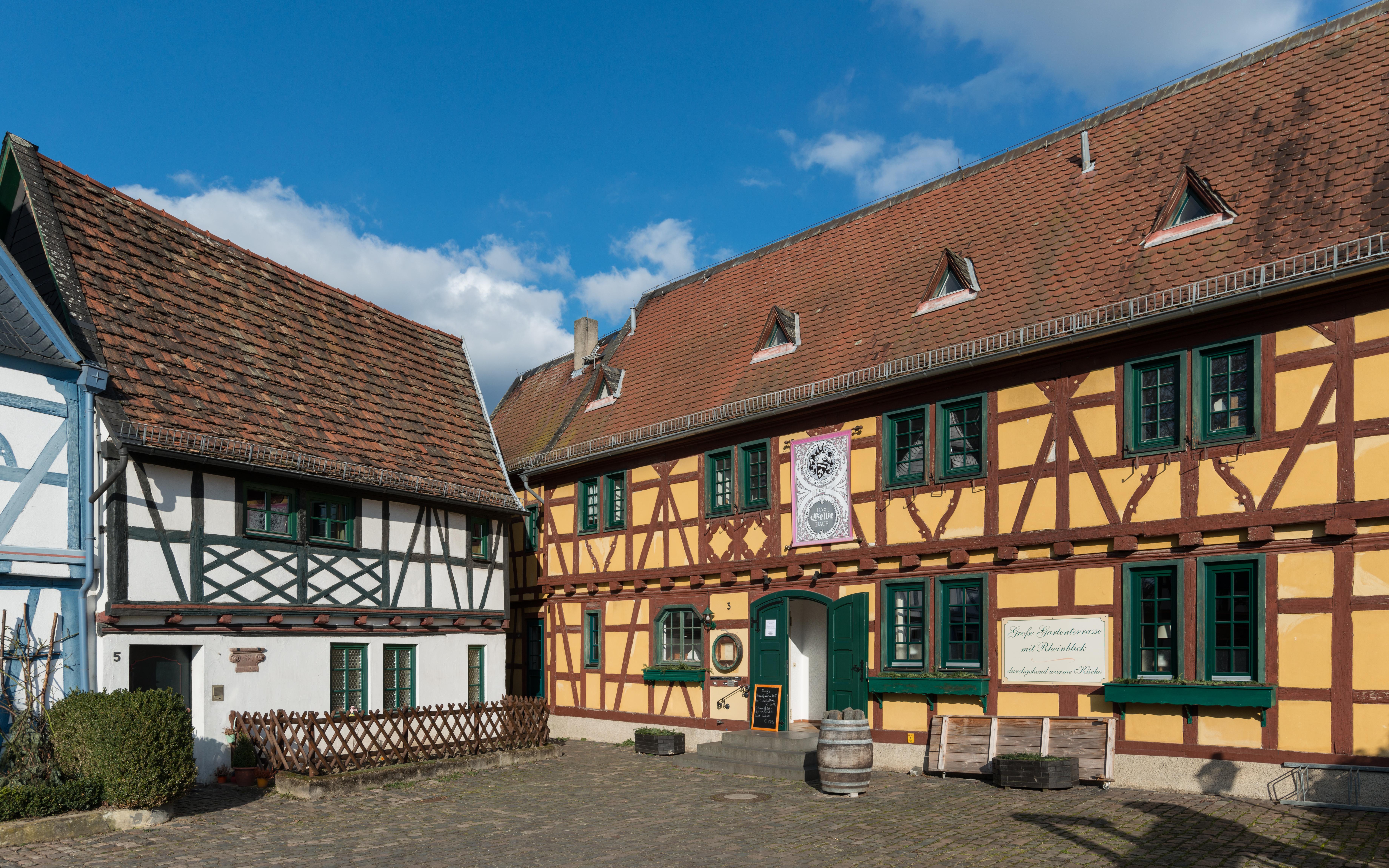 File:Weinstube Gelbes Haus, Burgstraße 3 and 5, Eltville 20150222 2 ...