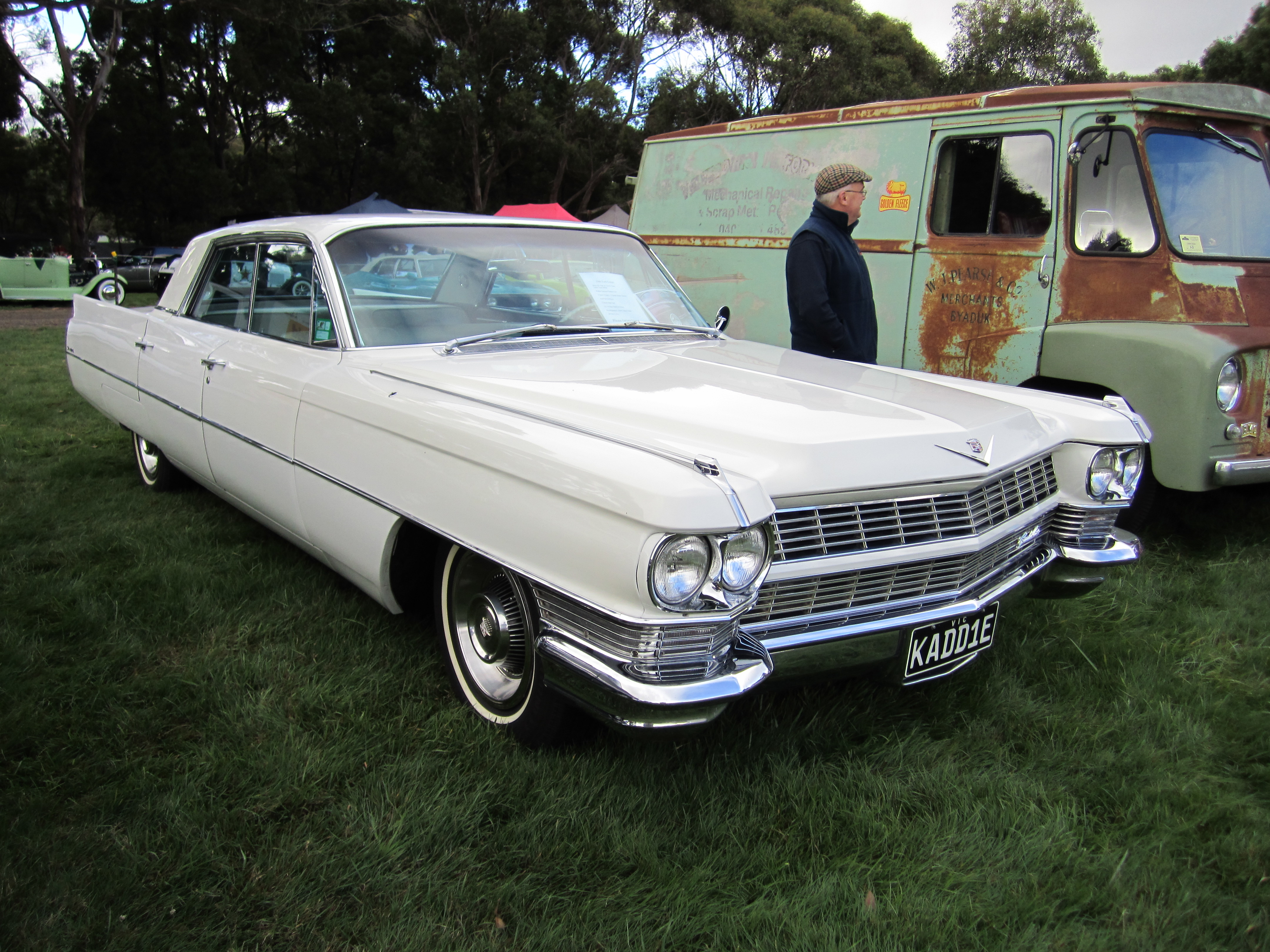File:1964 Cadillac Sedan deVille.jpg - Wikimedia Commons