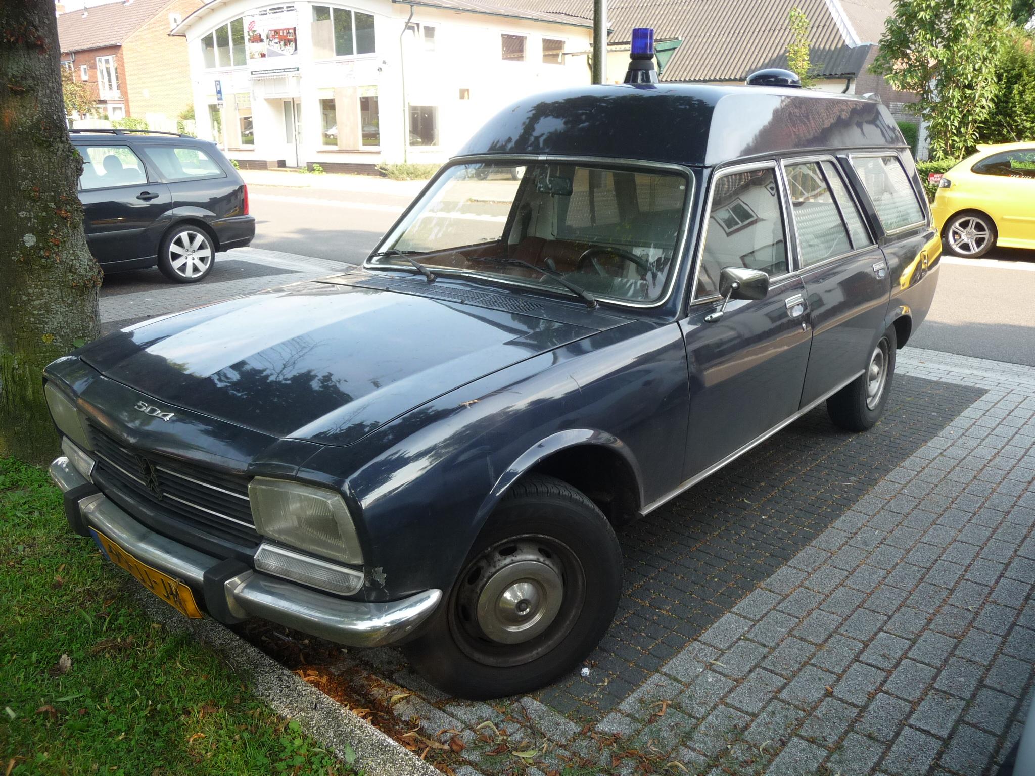 file:1978 peugeot 504 break ambulance (9066702700) - wikimedia