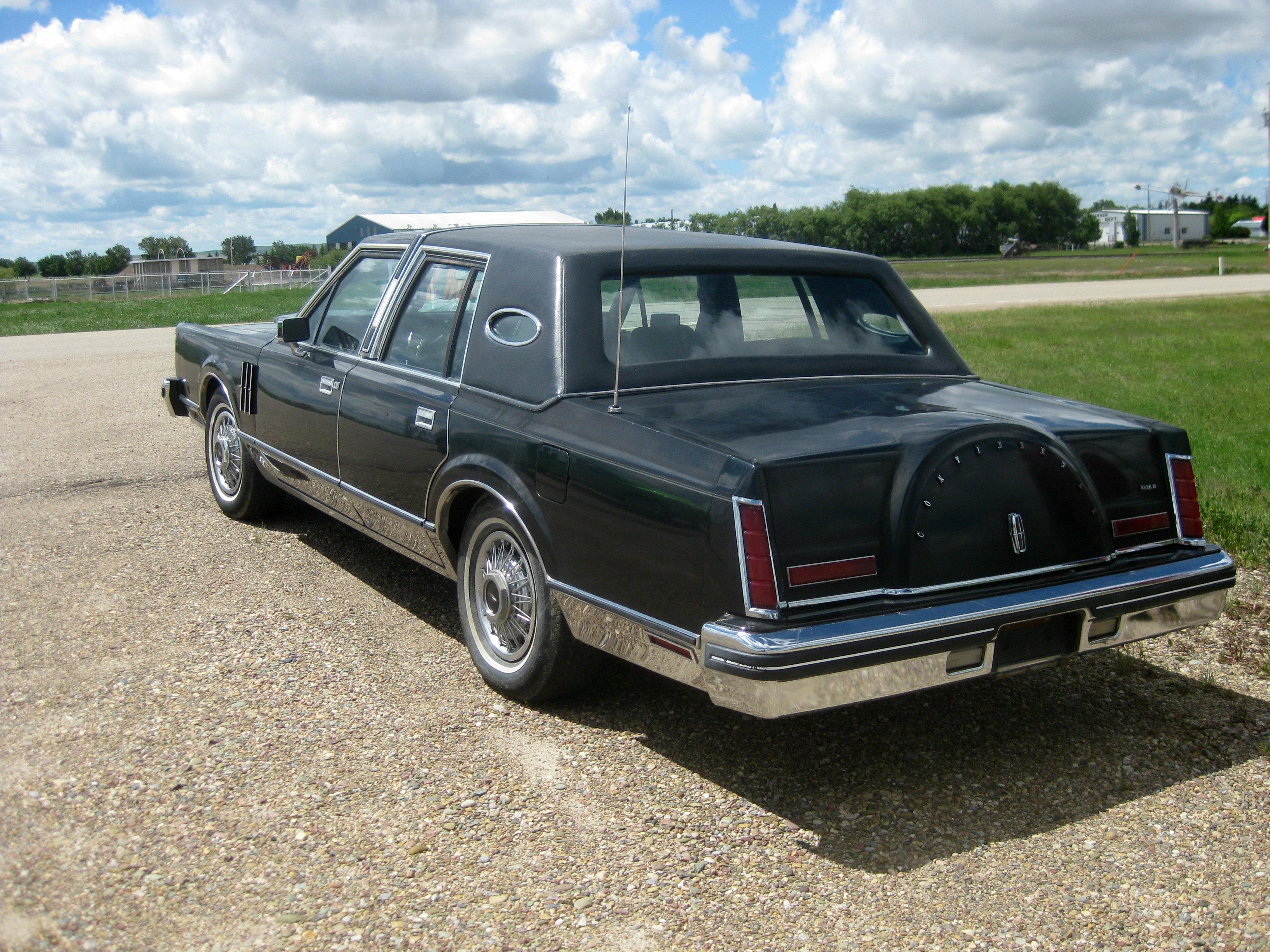 File1980 Lincoln Continental Mark VI rear 14528466403jpg