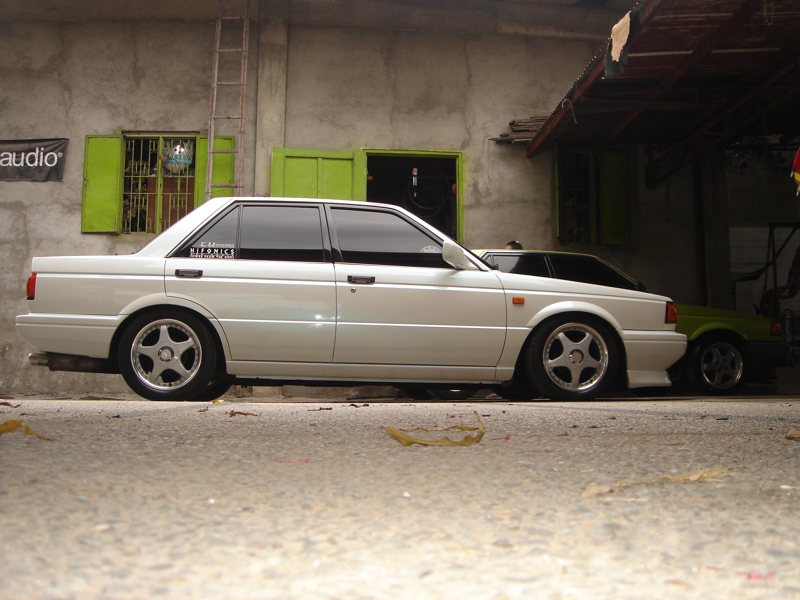 File:1989 B12 Sentra SGX custom.JPG - Wikimedia Commons
