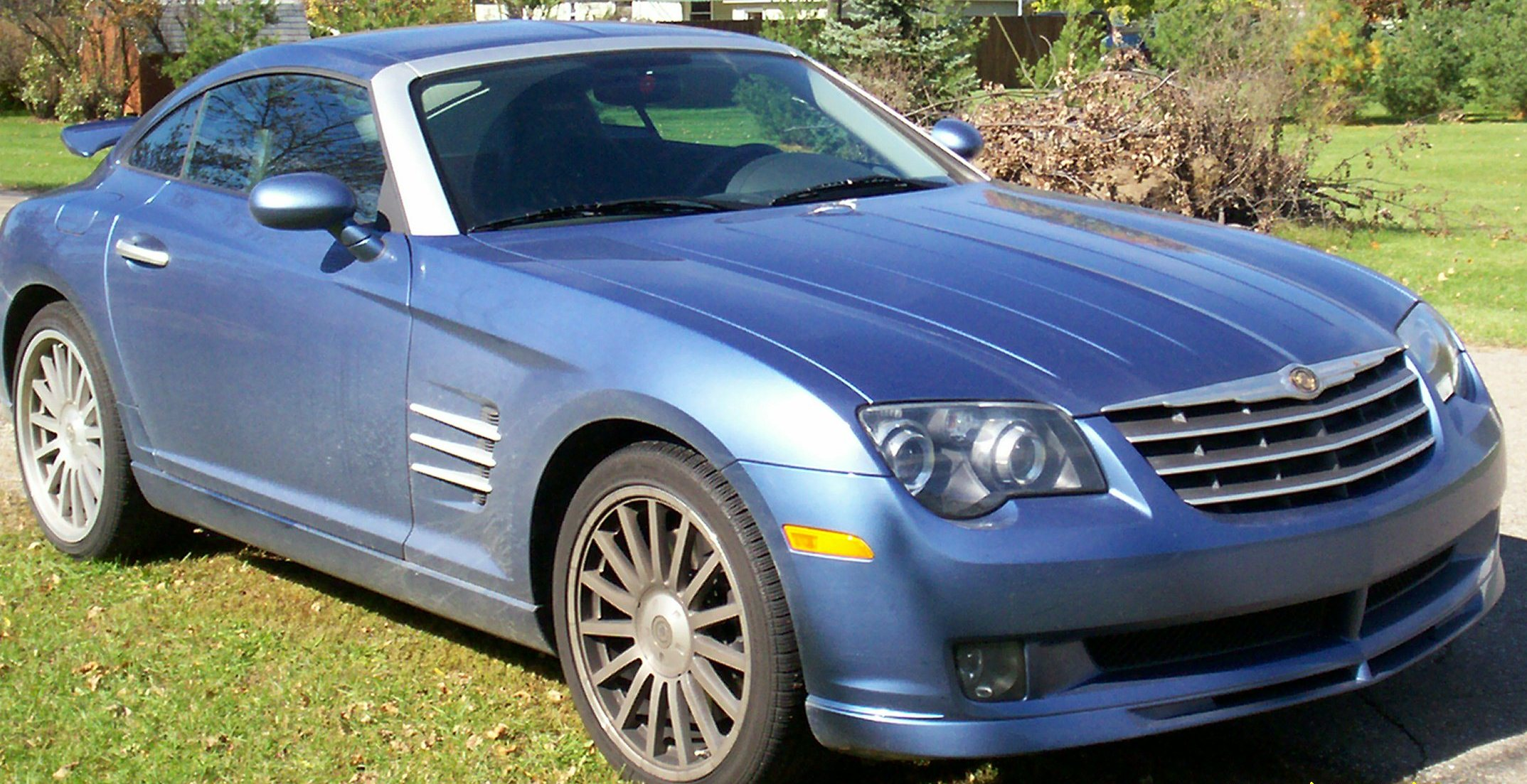File:2005 Chrysler Crossfire SRT6 AeroBlue-right.jpg - Wikimedia ...