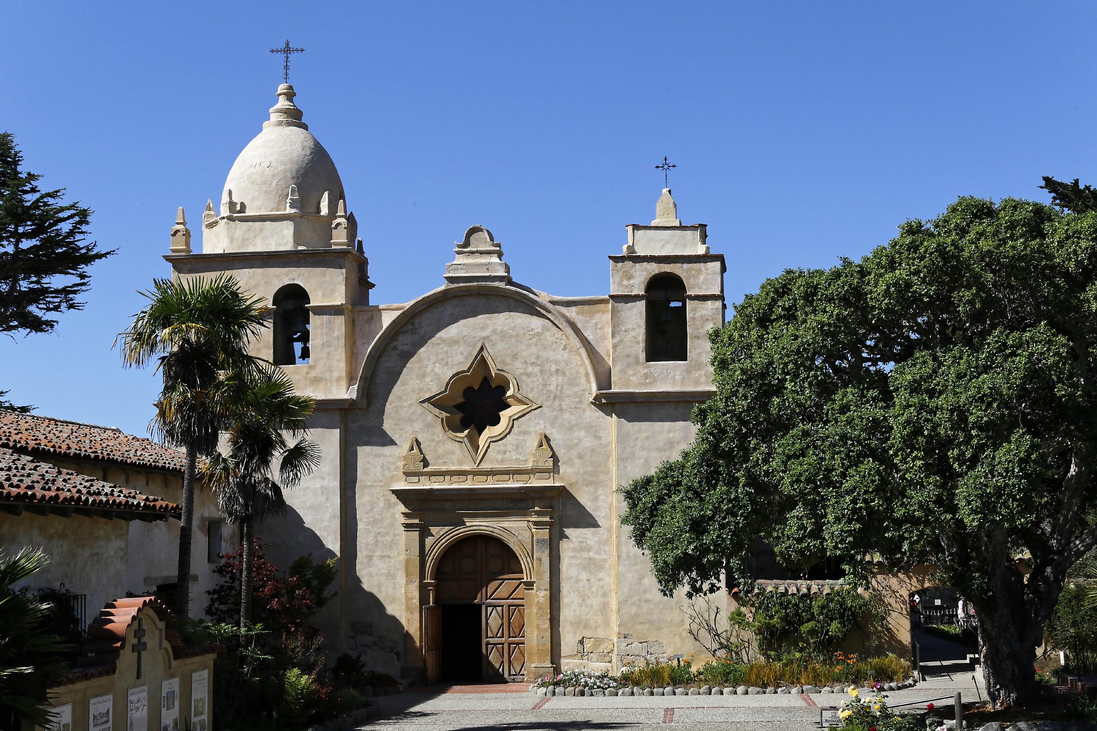 Mission San Carlos Borromeo de Carmelo - Wikipedia