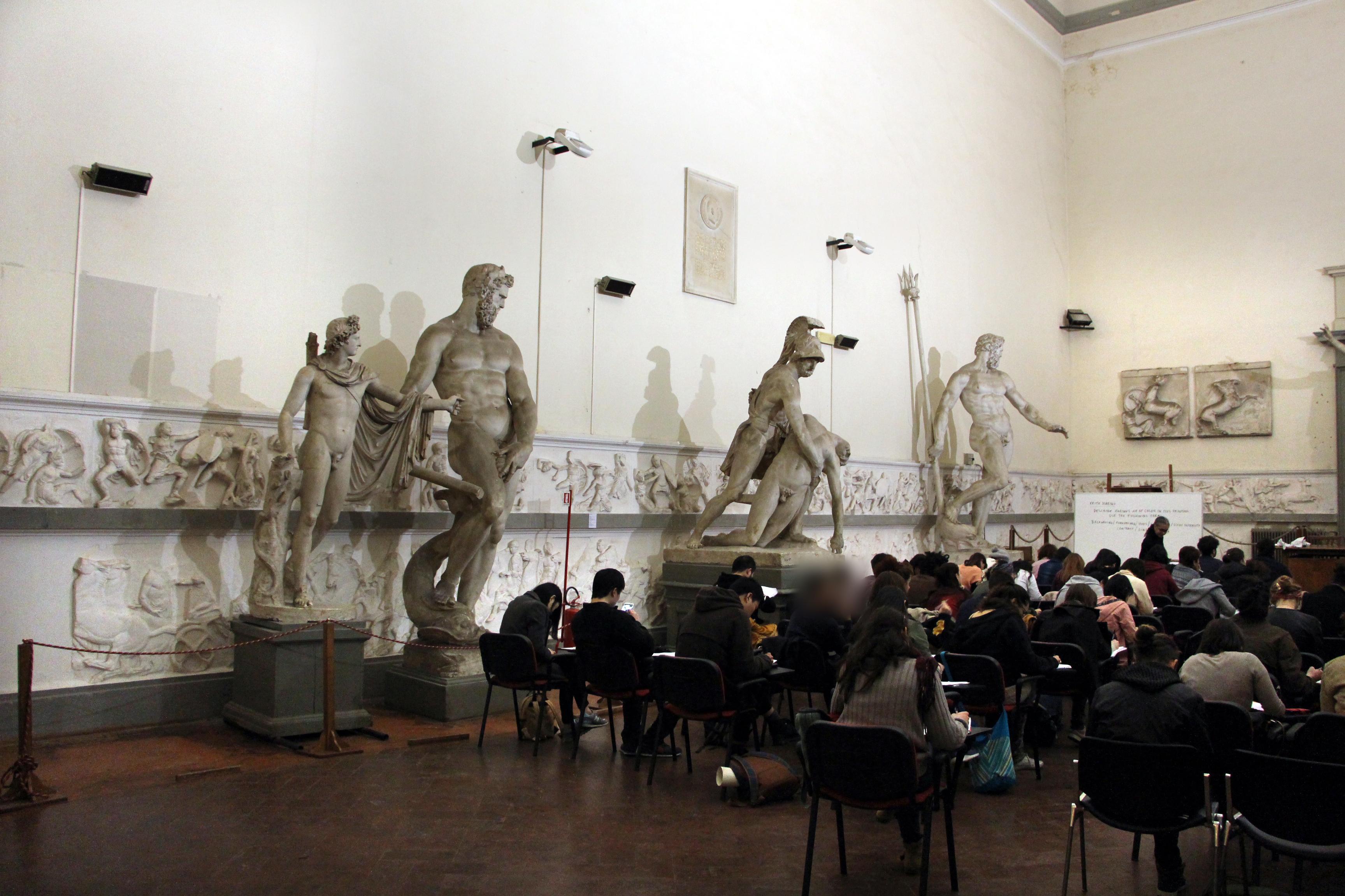 File accademia di belle arti firenze sala minerva for Accademia belle arti design