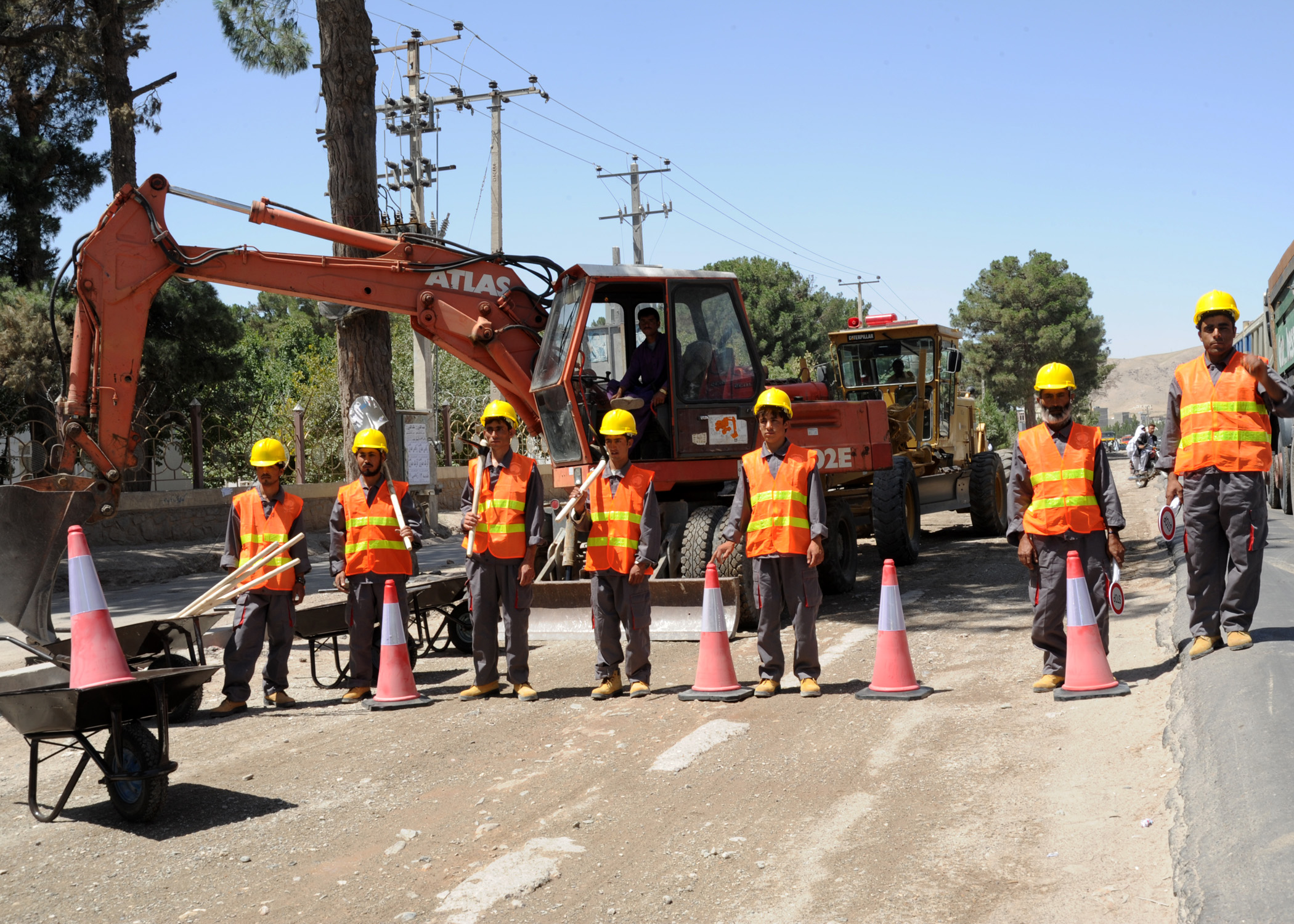 safety of road workers on maintenance of highways construction essay The strategy also acknowledges rowsaf's achievements since the launch of the original highways agency road worker safety strategy in october 2009, not least of which is the work to eliminate live carriageway crossings on foot.