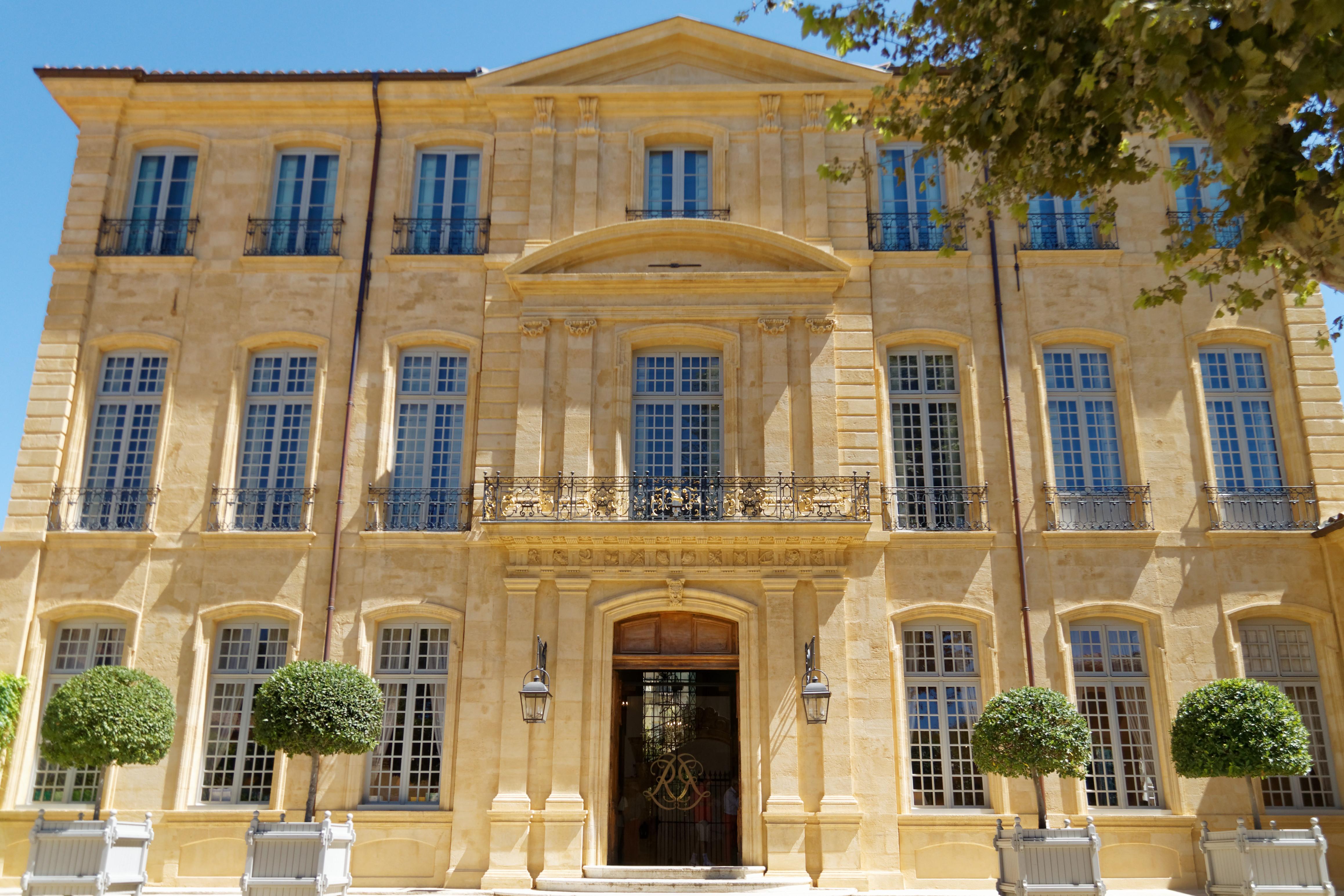 Construction Aix En Provence hôtel de caumont - wikipedia
