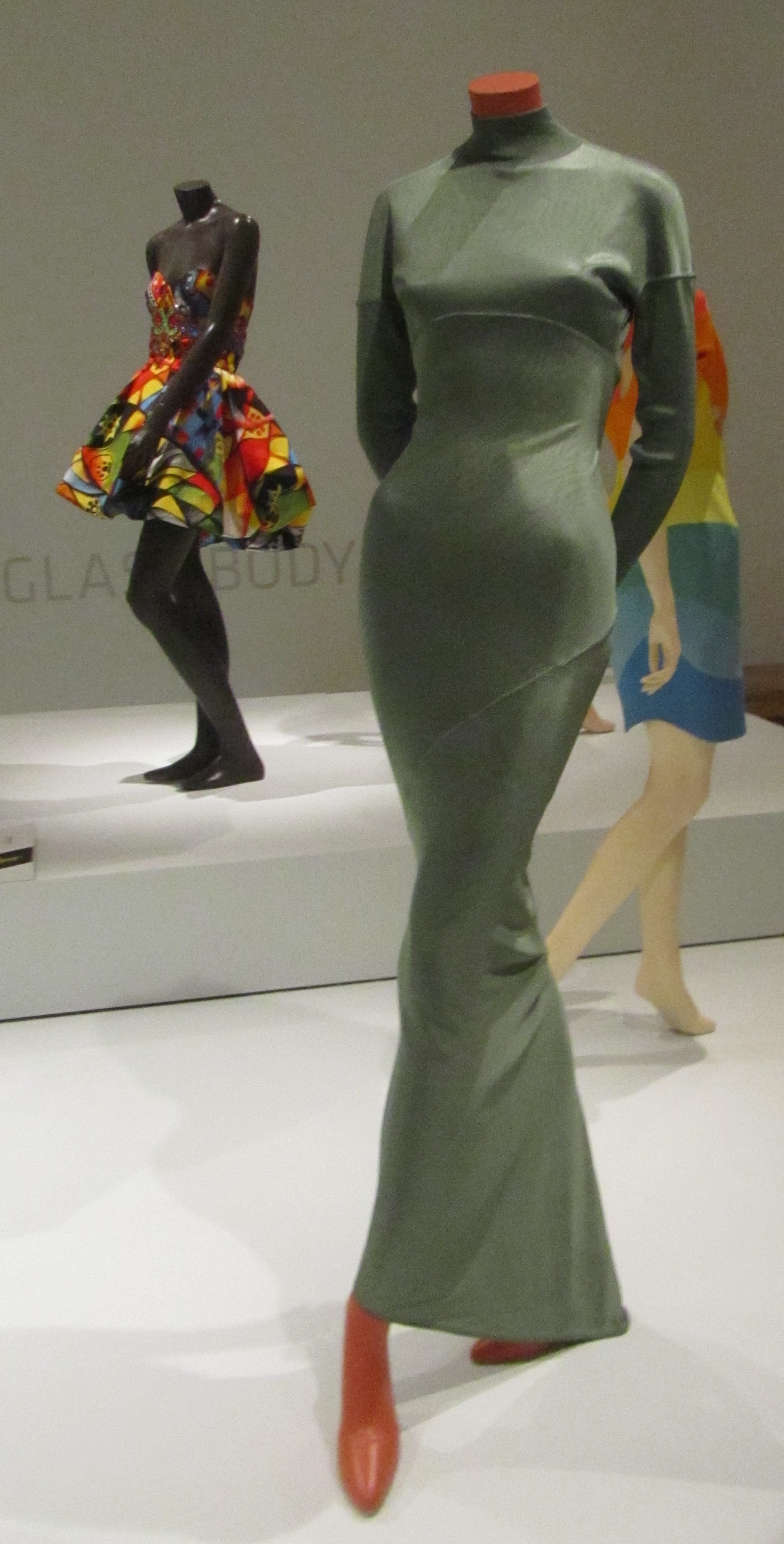 alaia dress By ellenm1 [CC BY 2.0 (https://creativecommons.org/licenses/by/2.0)], via Wikimedia Commons