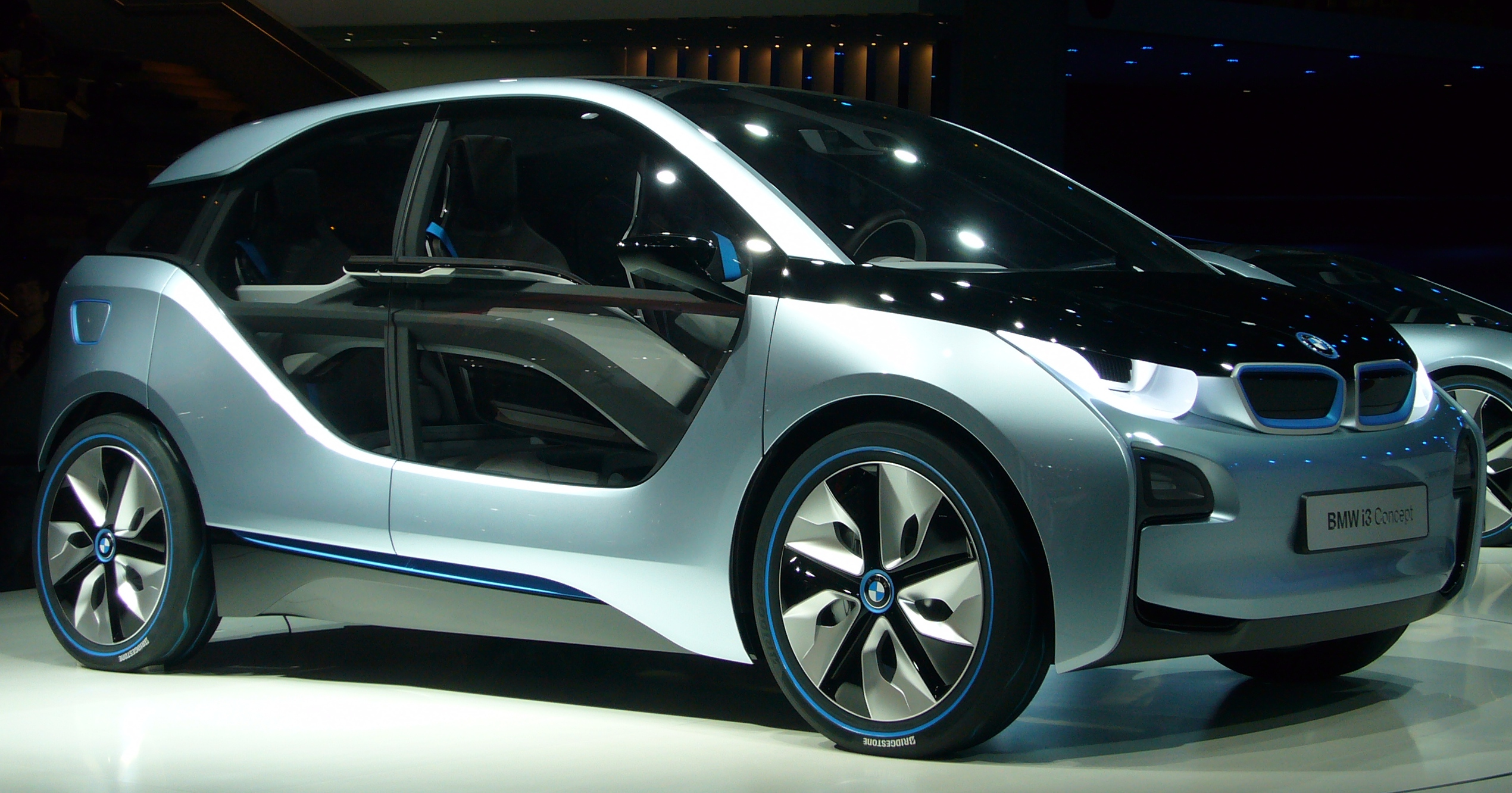 File:BMW i3 (front quarter).jpg - Wikimedia Commons