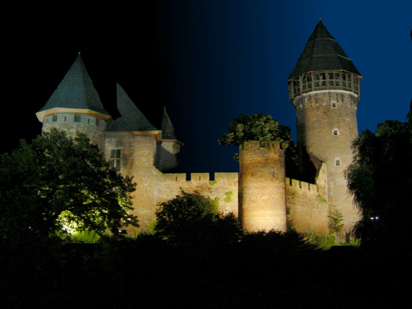 http://upload.wikimedia.org/wikipedia/commons/1/12/Burg-Linn-Nacht.jpg