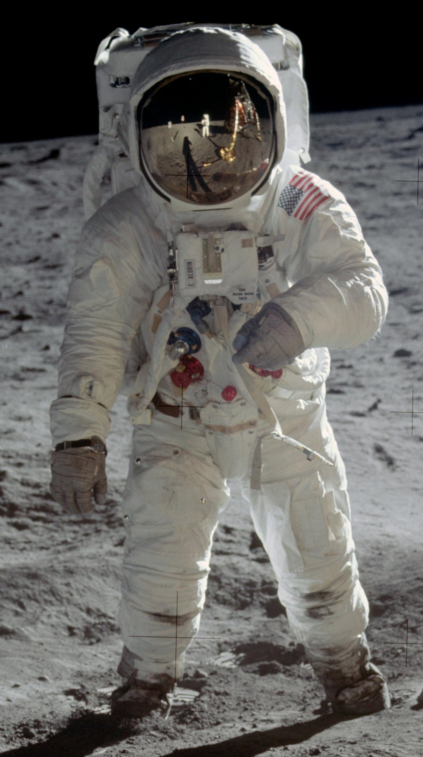 File buzz aldrin apollo wikimedia commons for Space suit fabric