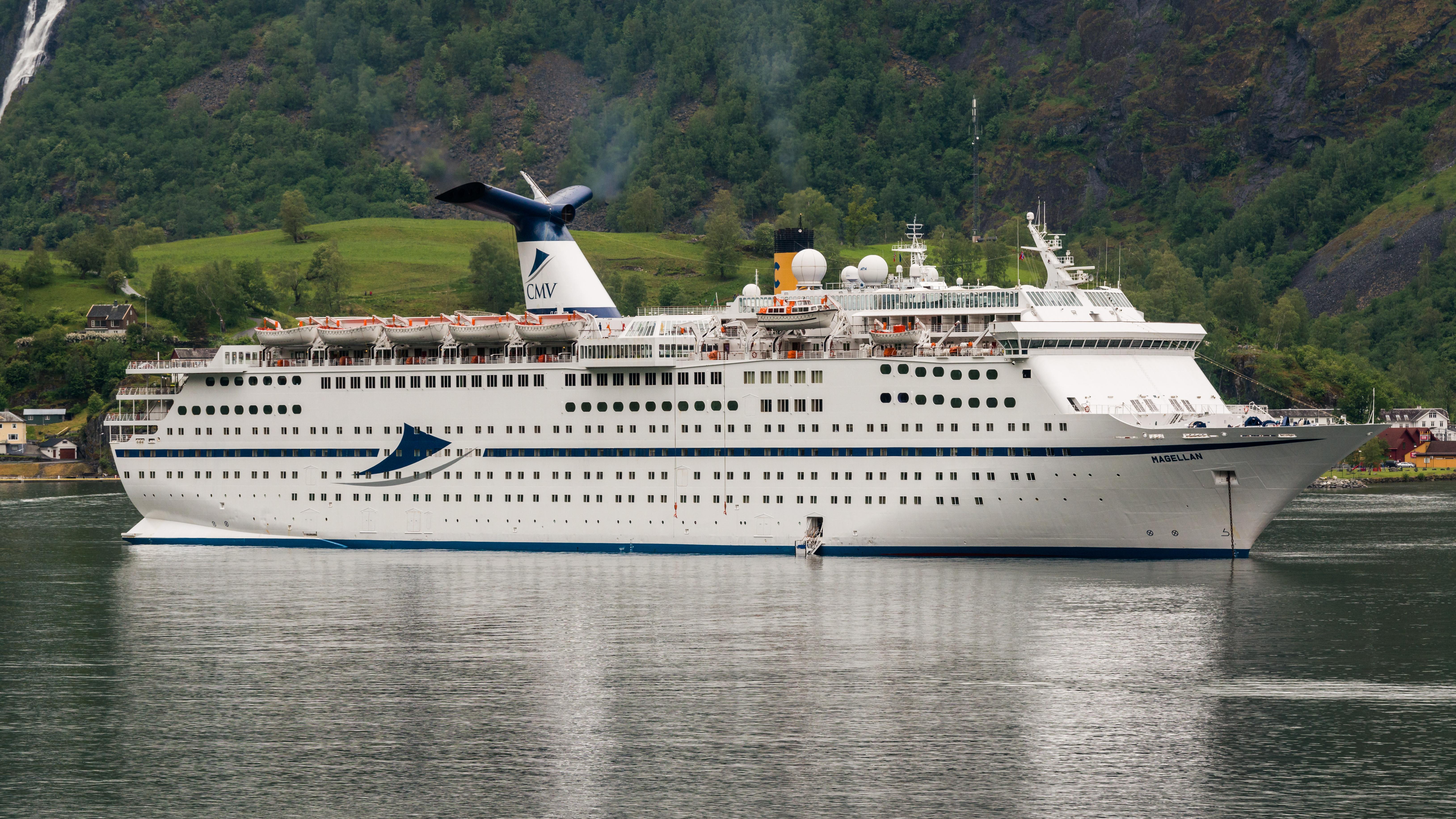 Holidayclass Cruise Ship Wikiwand - Amadea cruise ship itinerary
