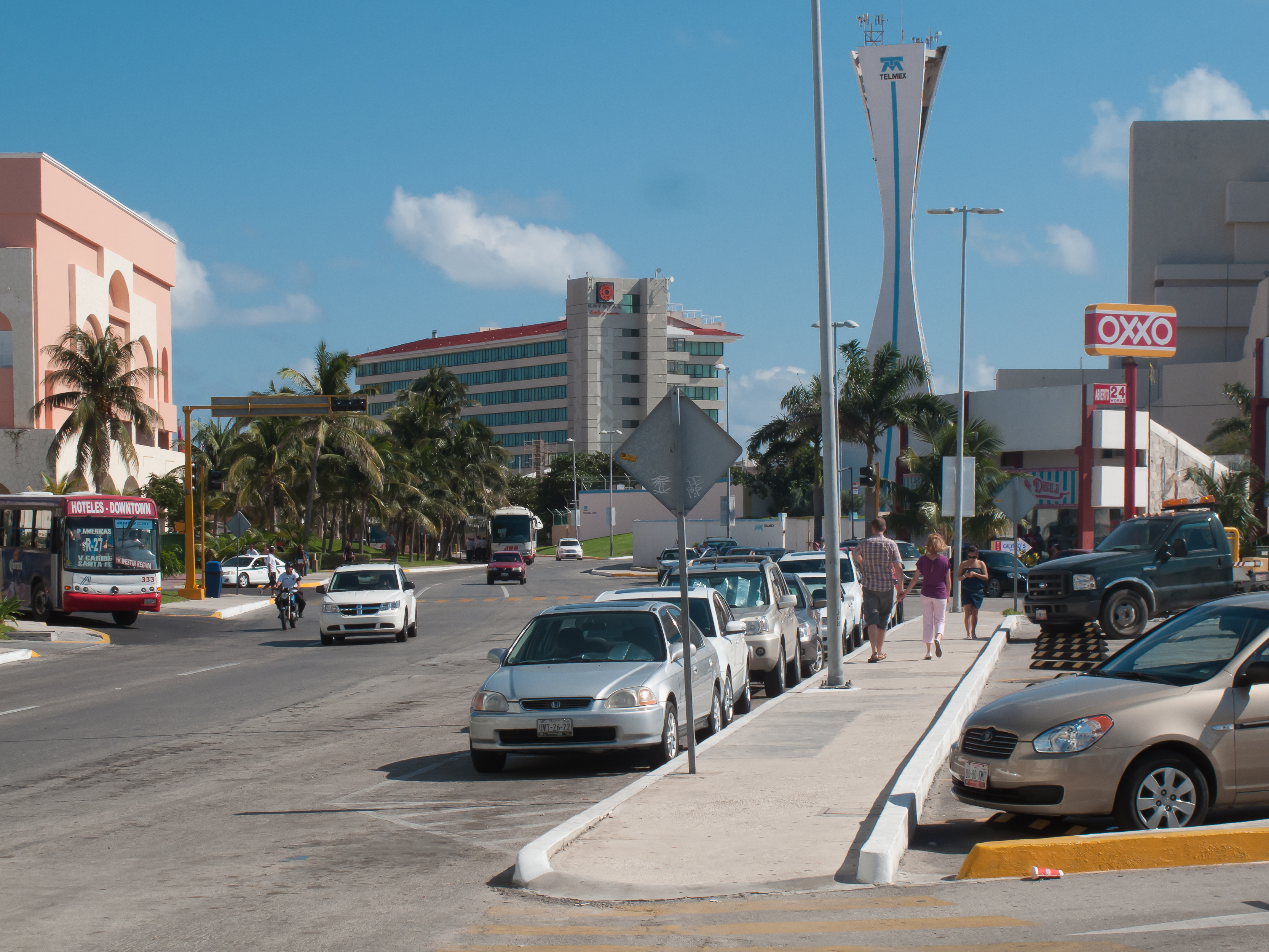 how to get to yucatan from cancun
