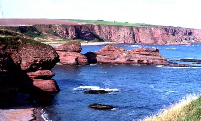 Carlingheugh Bay - geograph.org.uk - 3194