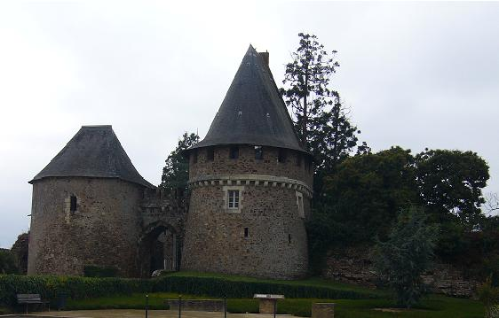 Entrée du château de Champtoceaux (Anjou)
