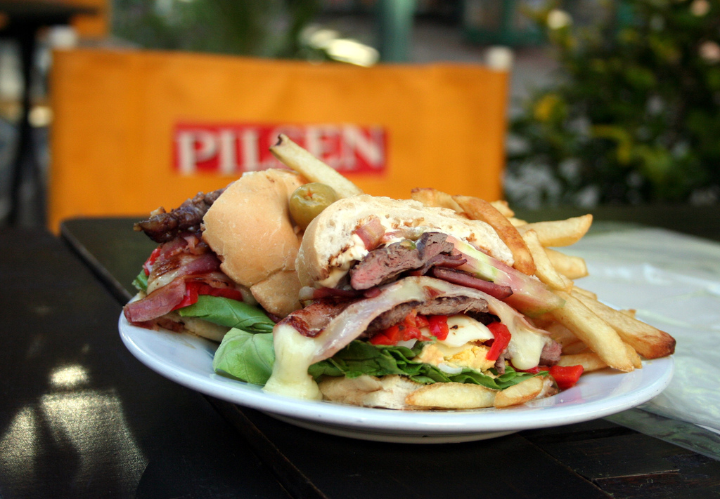 File chivito al pan wikipedia for American cuisine wiki
