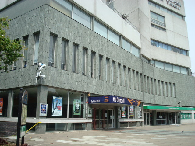 Bestand:Churchill Theatre, Bromley - geograph.org.uk - 1320342.jpg