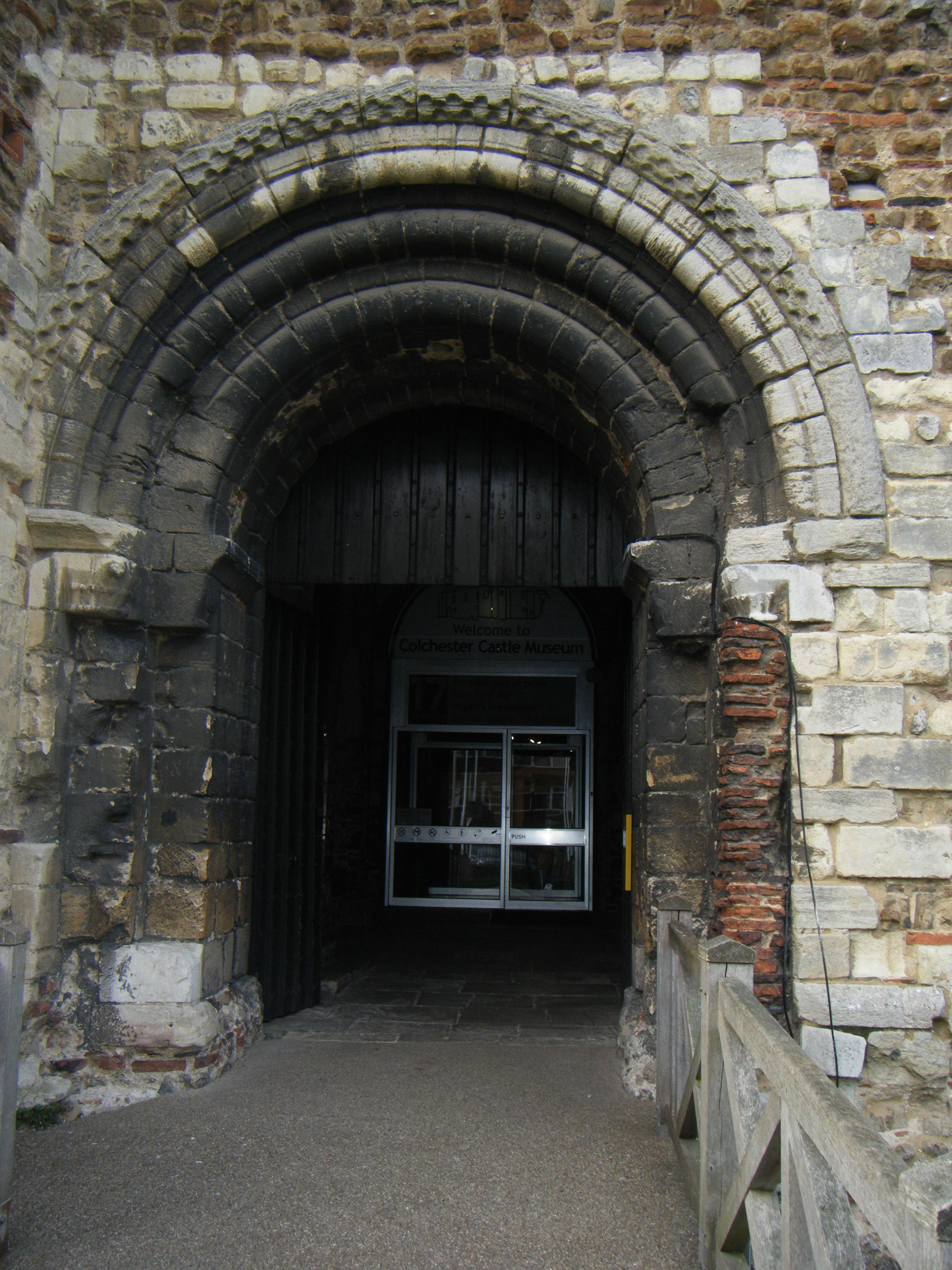 Castle Front Door 2736 x 3648 · 1584 kB · jpeg