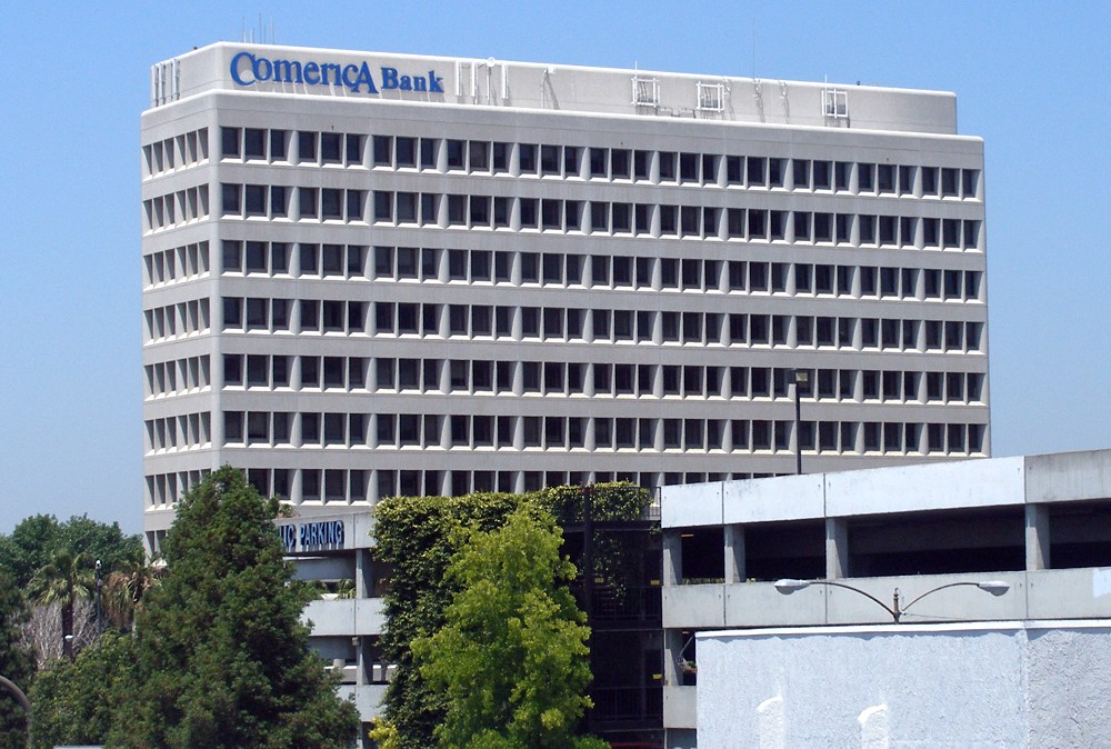 Comerica Bank Cutting 790 Jobs By the End of 2016