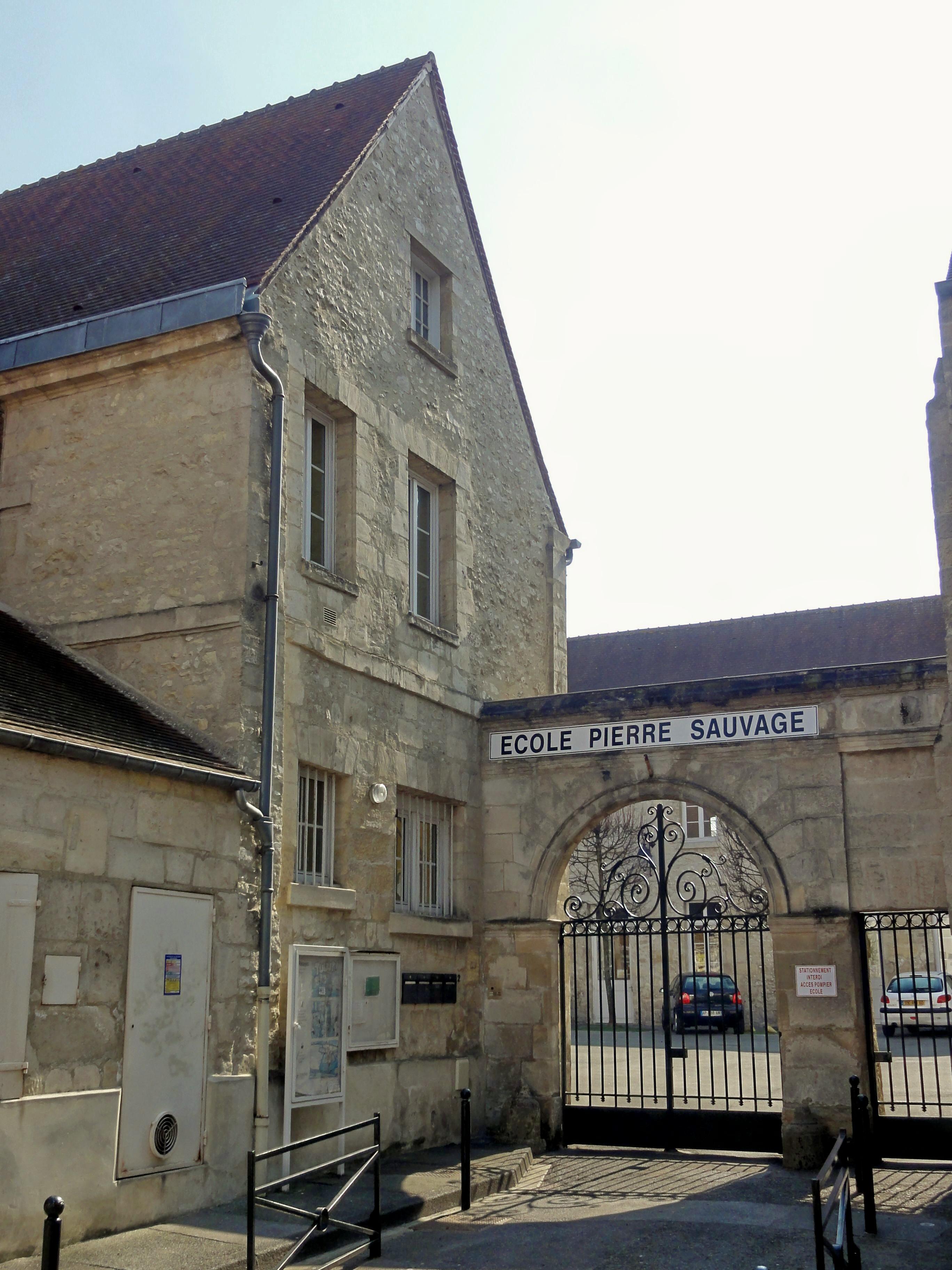 Fichier:Compiègne (60), école Pierre-Sauvage, Impasse Laly