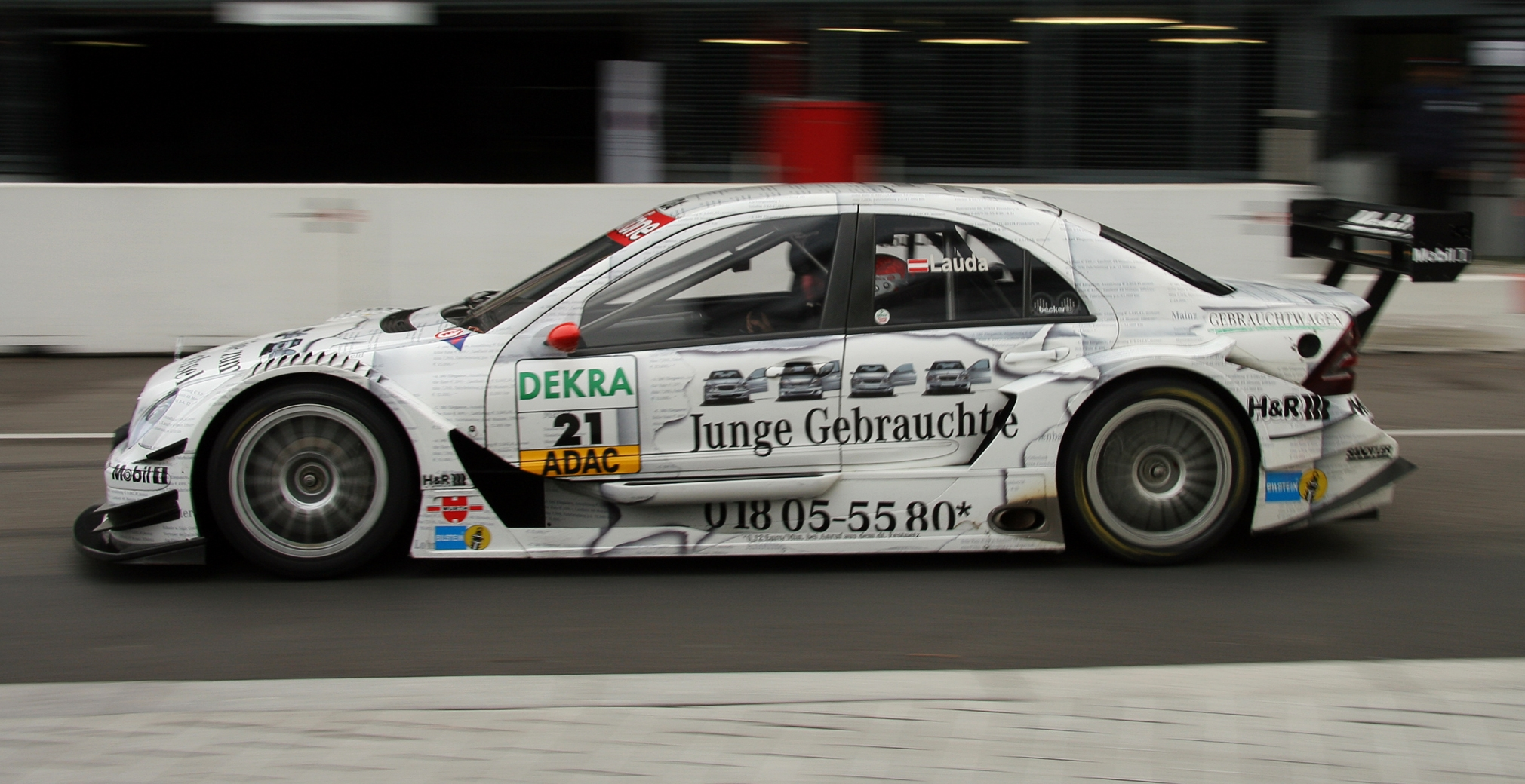 File:DTM car mercedes2006 Lauda.jpg - Wikimedia Commons
