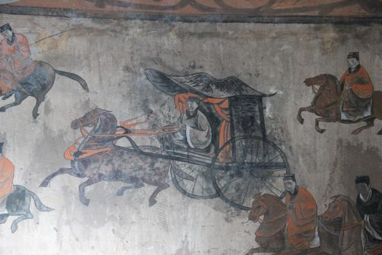 A mural showing chariots and cavalry, from the Dahuting Tomb of the late Eastern Han dynasty (25-220 CE), located in Zhengzhou, Henan Dahuting Tomb mural, cavalry and chariots, Eastern Han.jpg