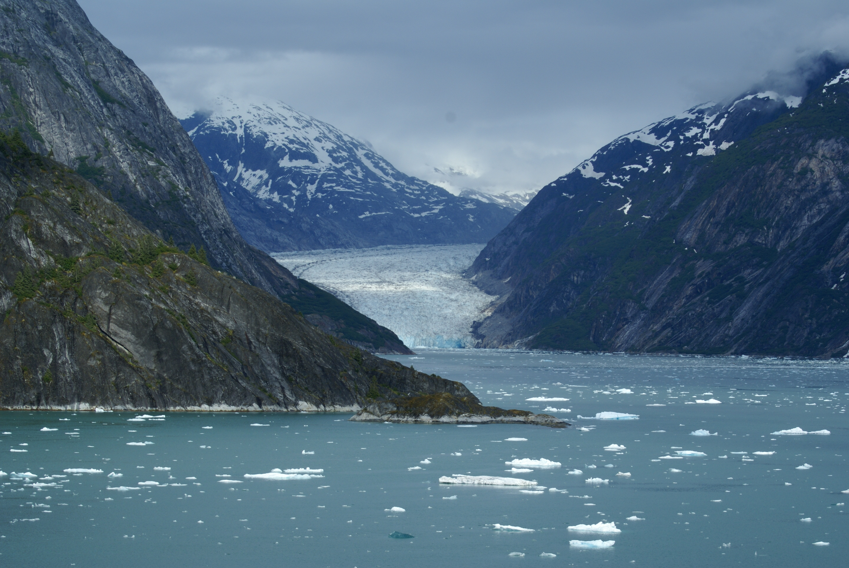 File dawes glacier at the head of endicott arm fjord for Fjord wikipedia