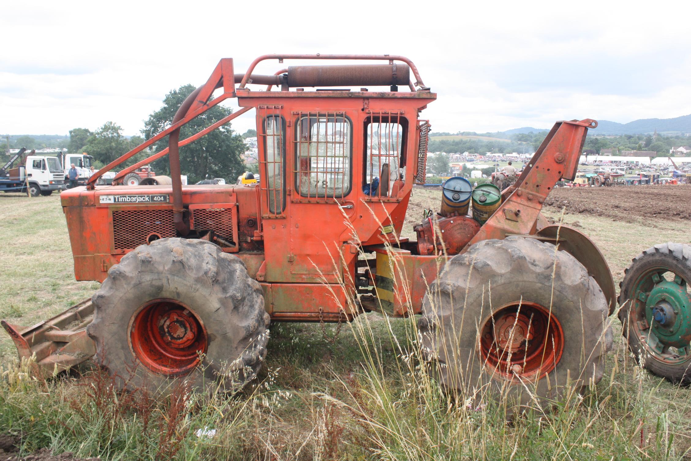 File:Eaton Timberjack 404 at Welland 2010 - 8252.jpg