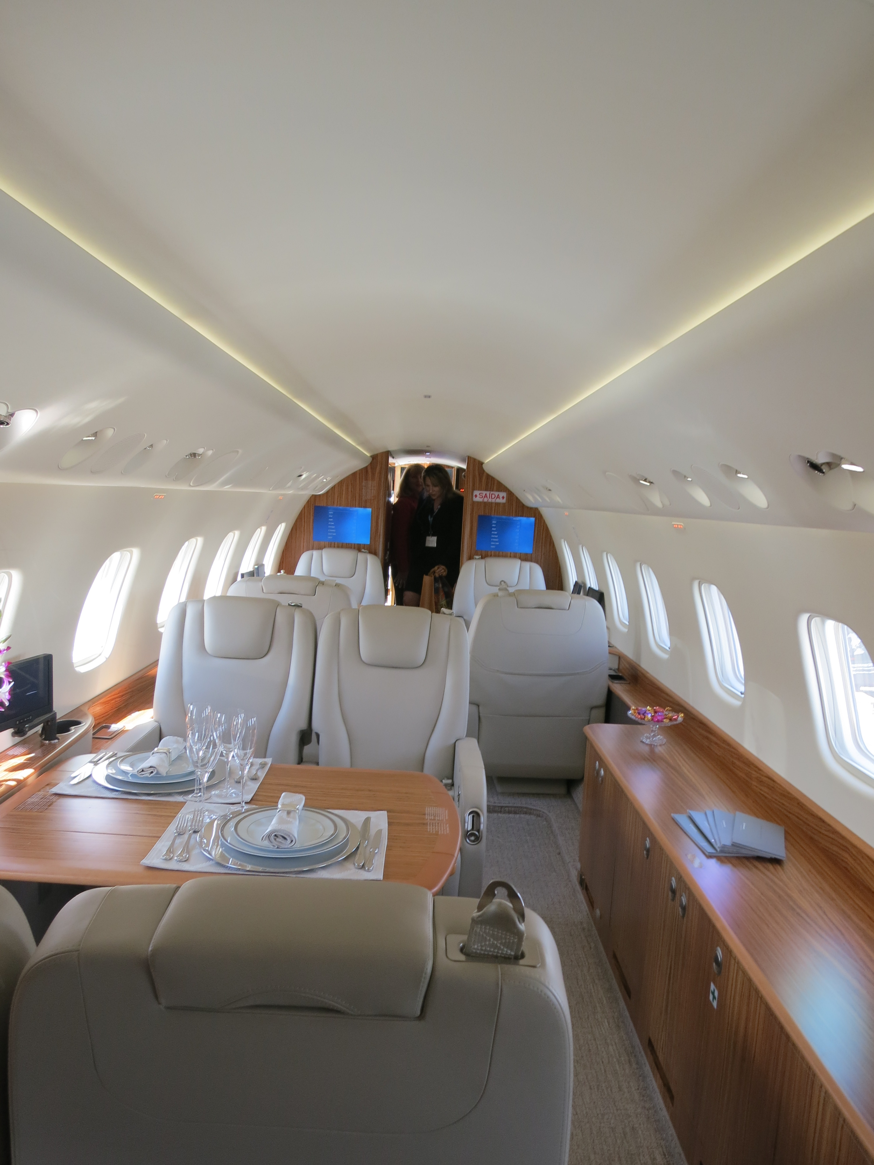 file embraer legacy 650 interior of forward cabin jpg