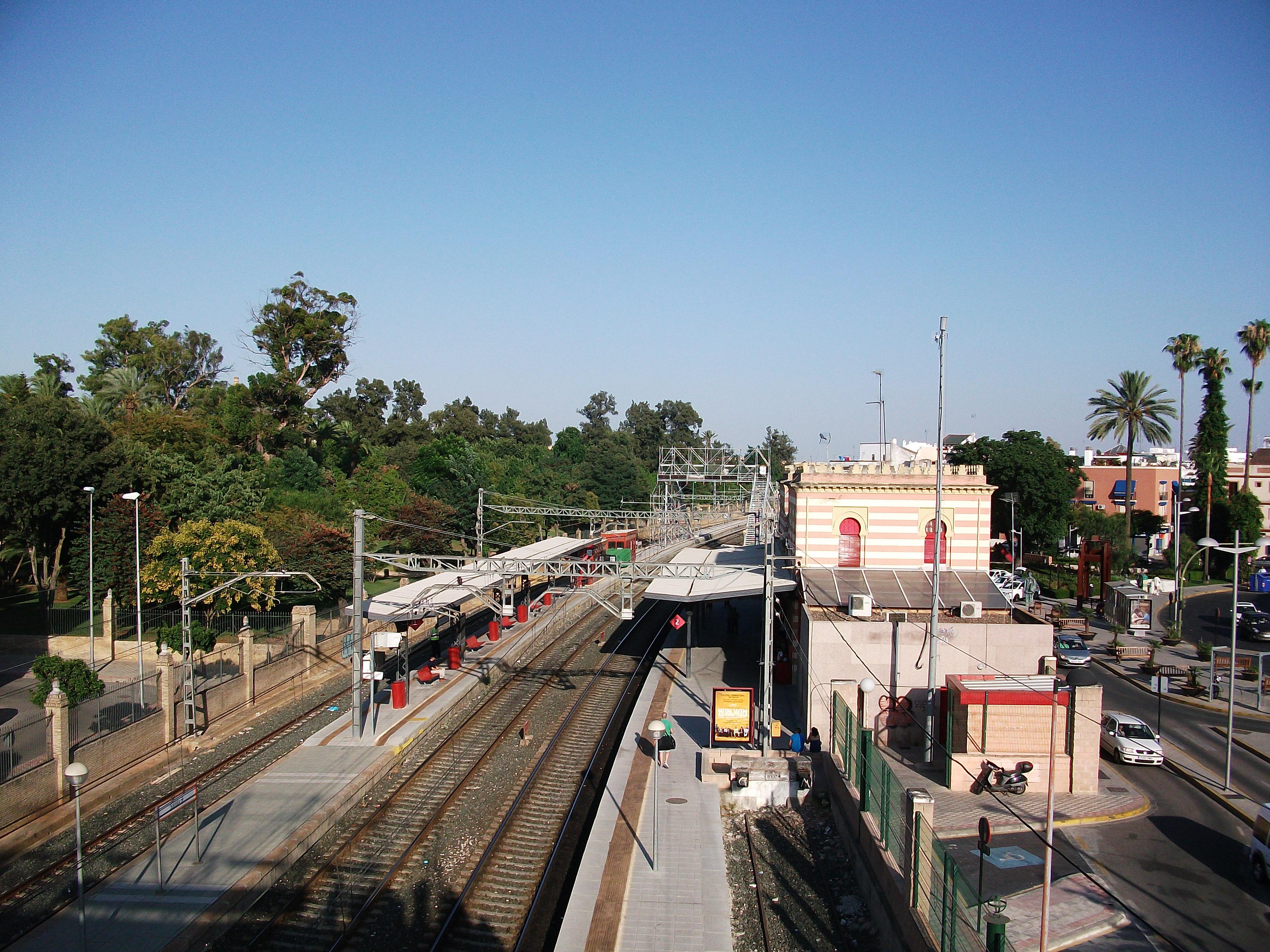 File estaci n de trenes de dos hermanas jpg wikimedia - Spa en dos hermanas ...
