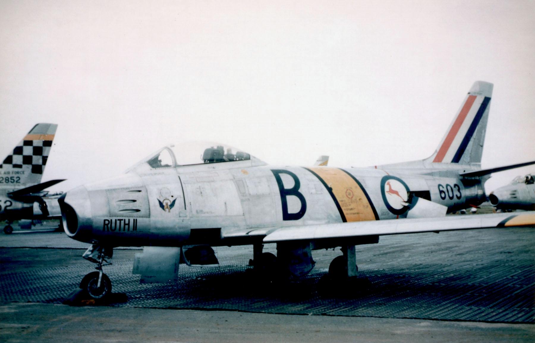 F-86F_2_Sqn_SAAF_in_Japan_1953.jpg