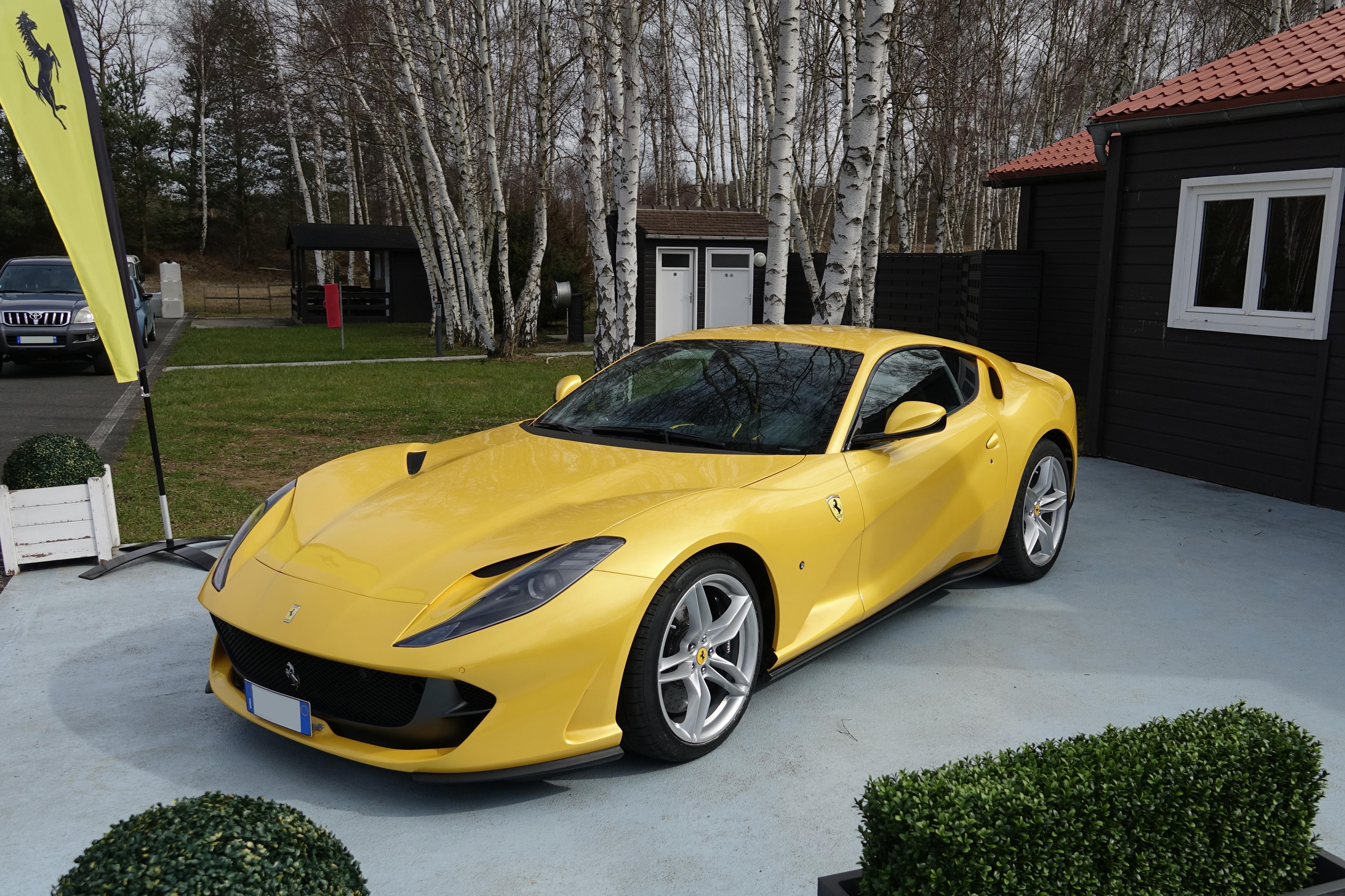 Ferrari 812 Superfast - Wikipedia on