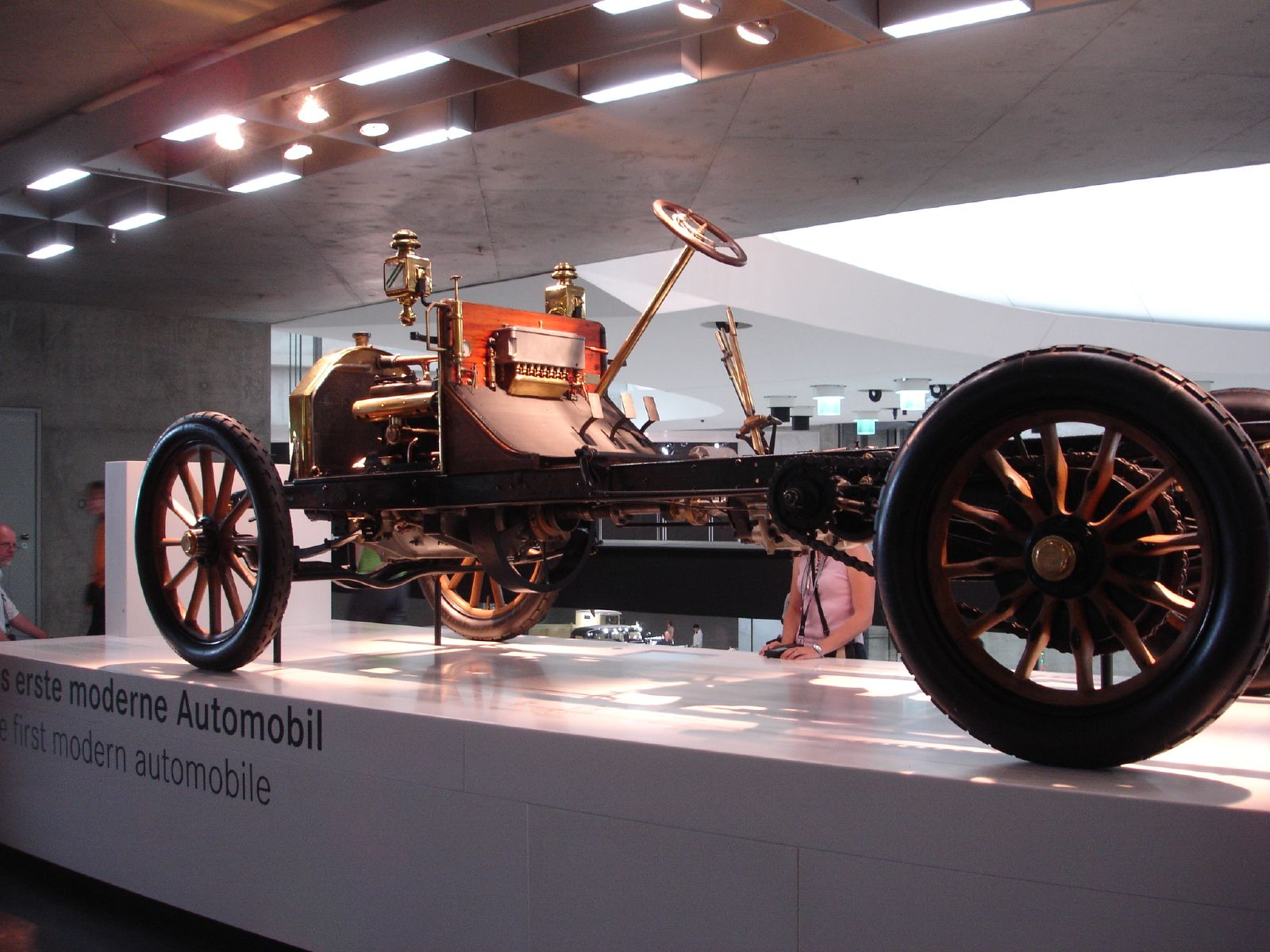 File:First Modern Automobile.jpg - Wikimedia Commons