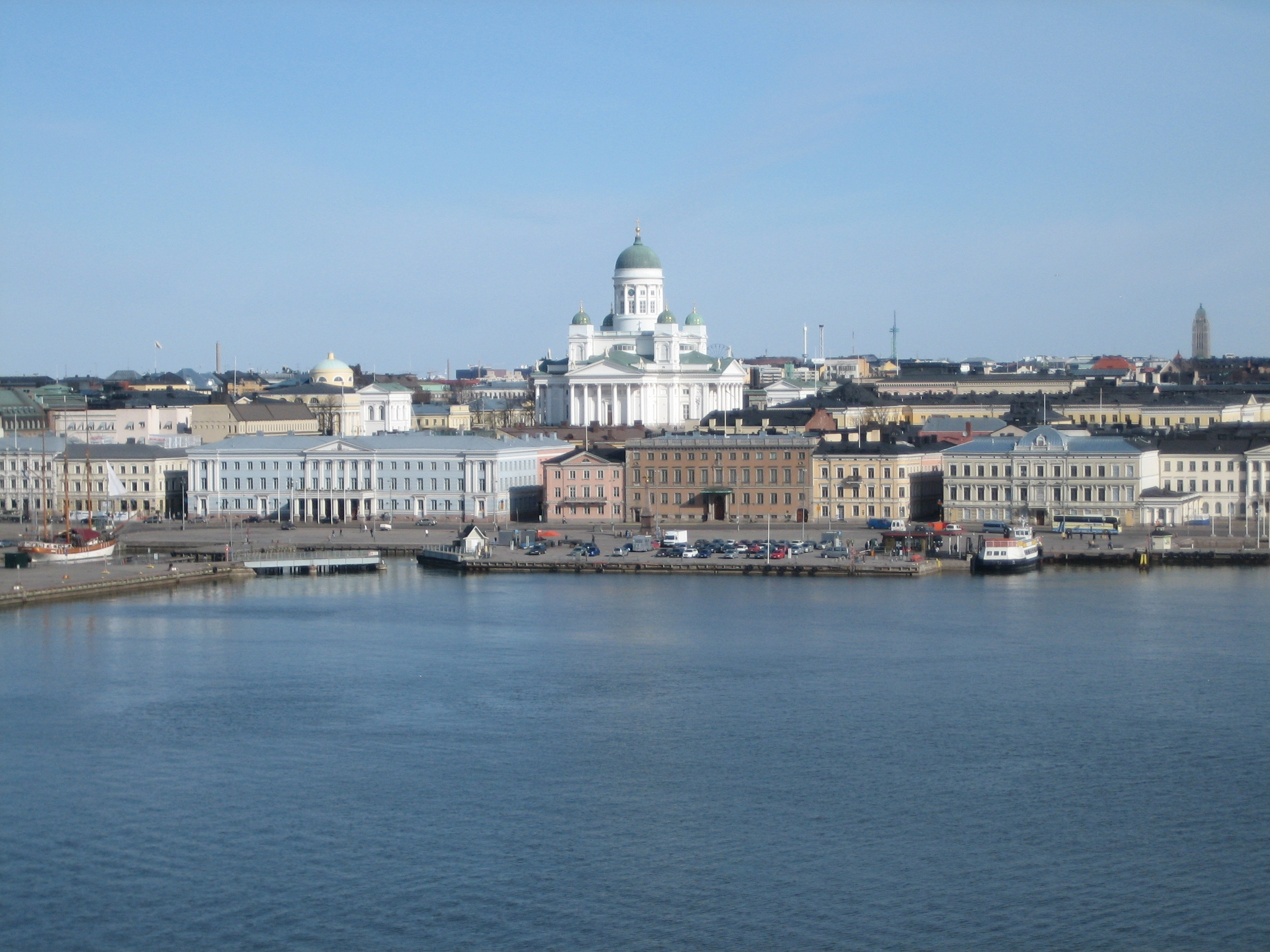 File Helsinki Market square as seen from the sea jpg   Wikimedia