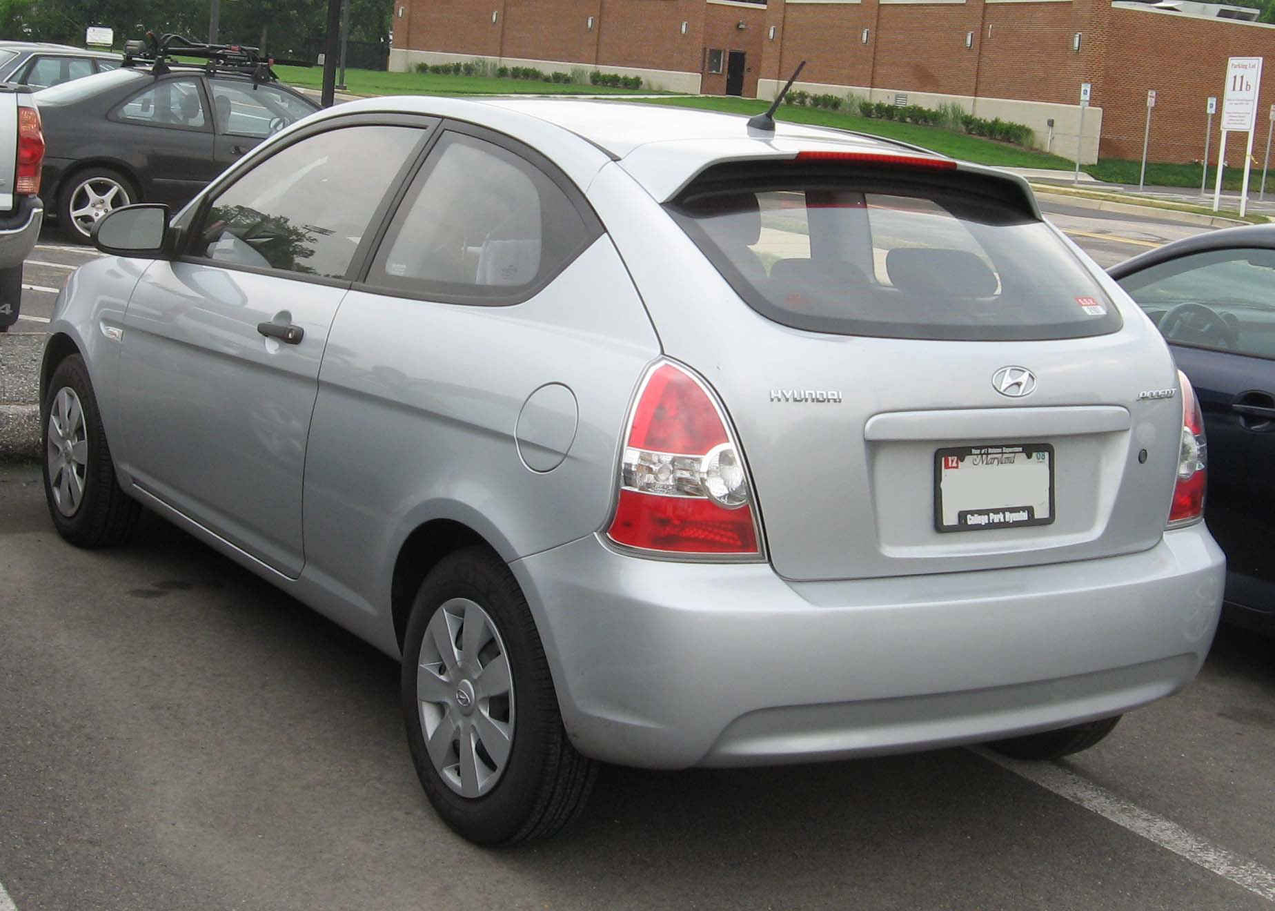 Hyundai Accent Hatchback >> File:Hyundai-Accent-GS-rear.jpg - Wikimedia Commons